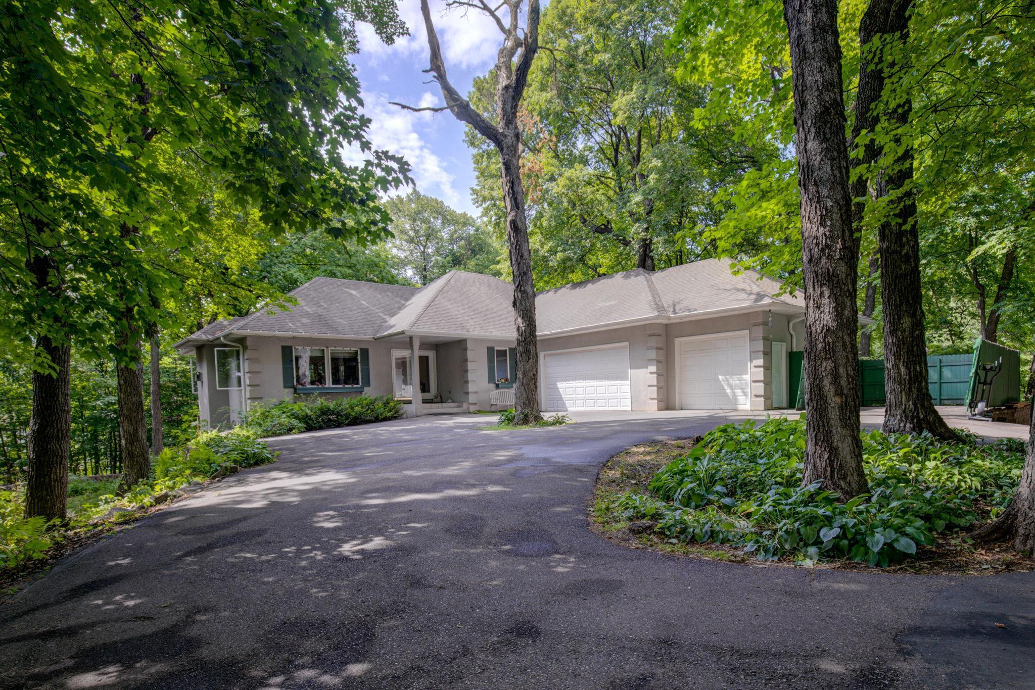 1075 Hidden Hills Drive Property Photo