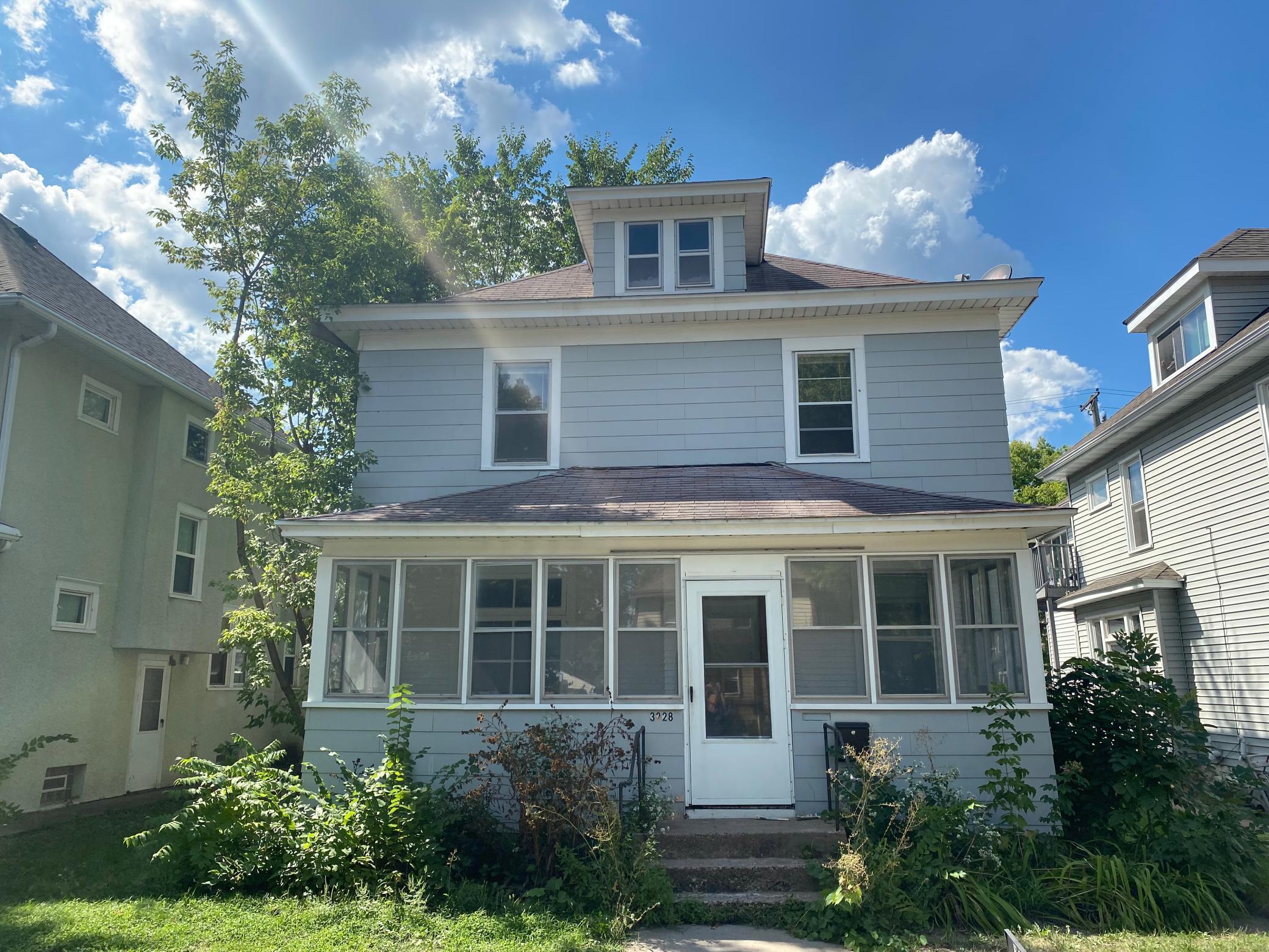 3228 Grand Avenue Property Photo
