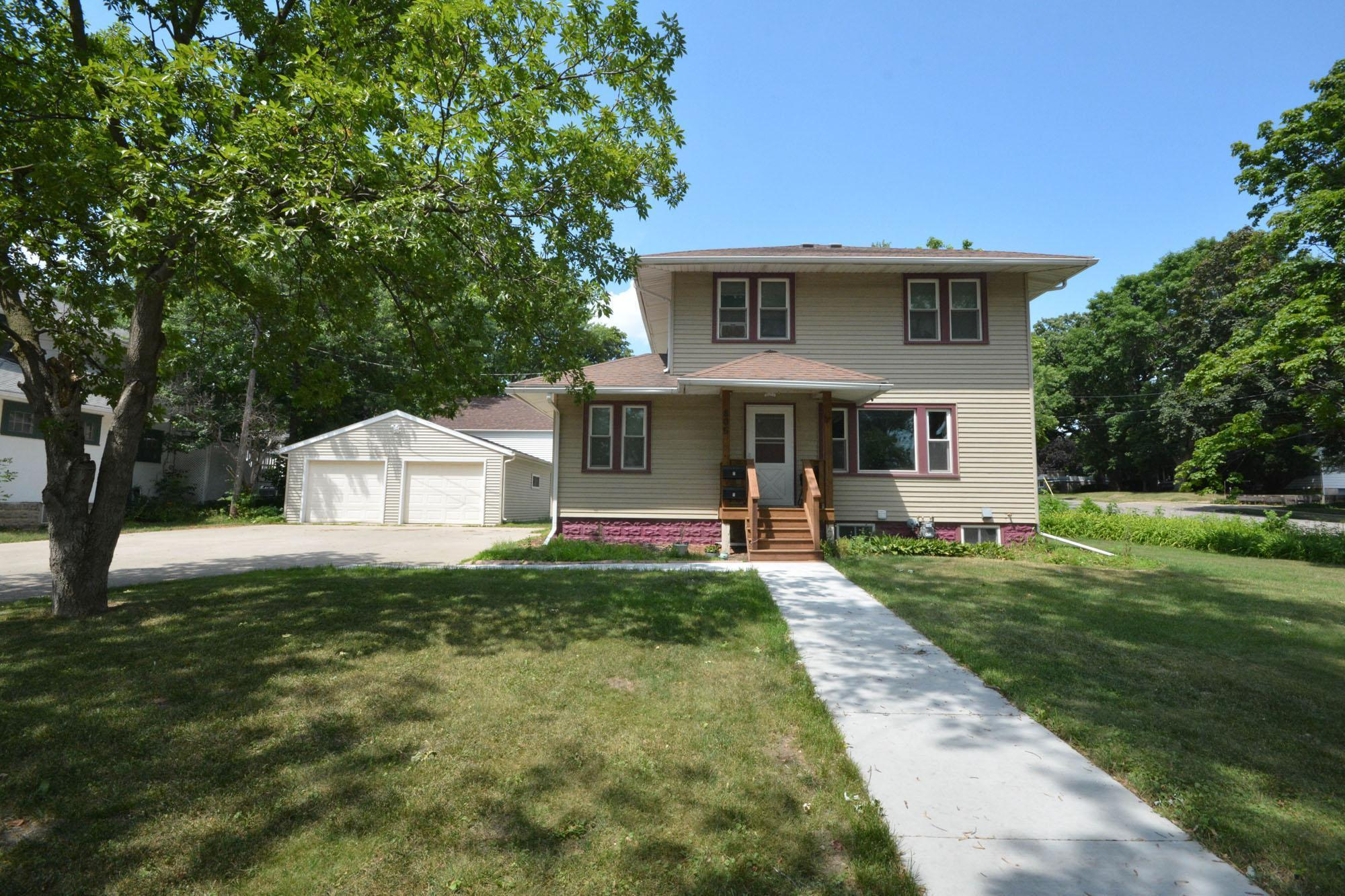 805 7th Street Property Photo