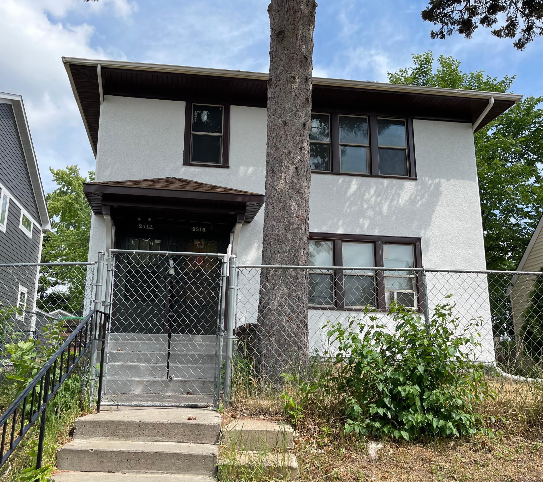 2510 James Avenue Property Photo