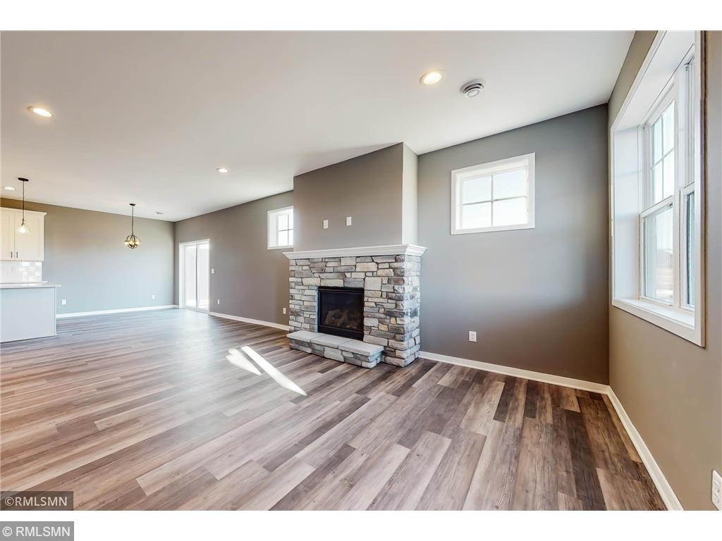 428 Ford Street E Property Photo 1