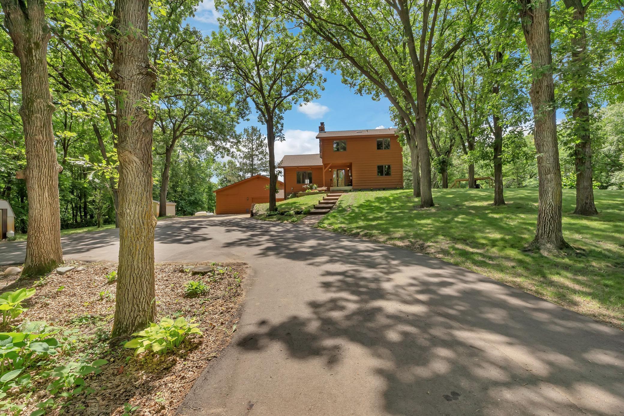30401 Fifth Lake Road Property Photo