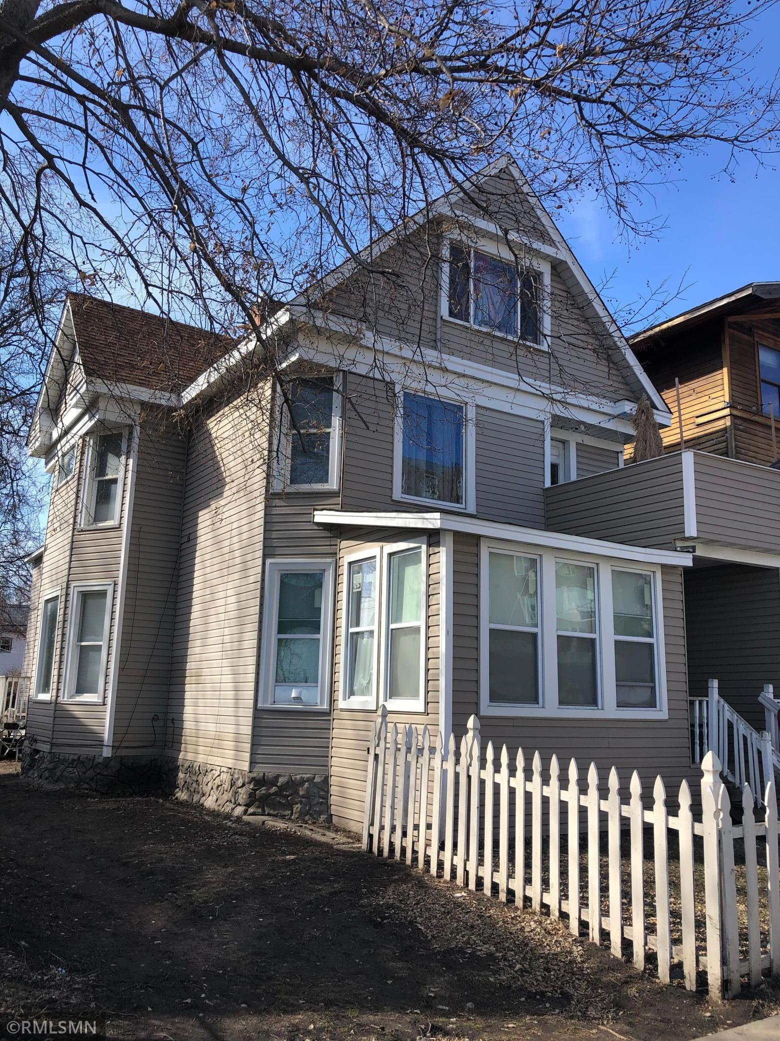 2928 Grand Avenue Property Photo