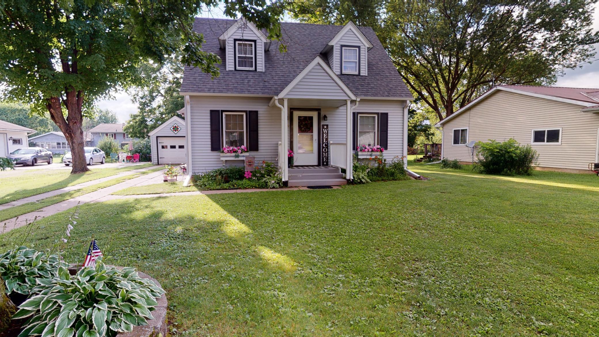 N 22969 Main Street Property Photo