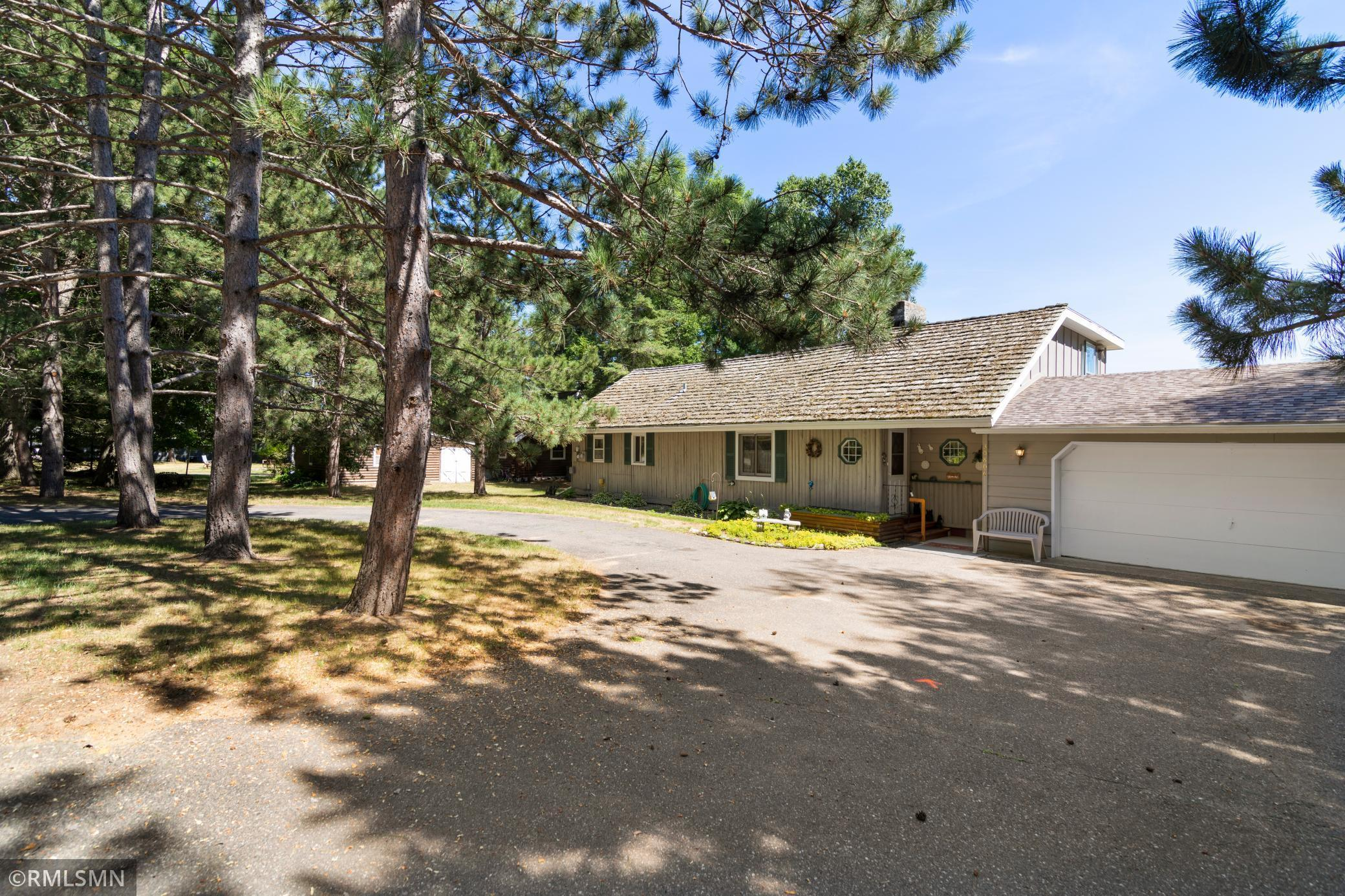 30806 N Lakeview Drive Property Photo