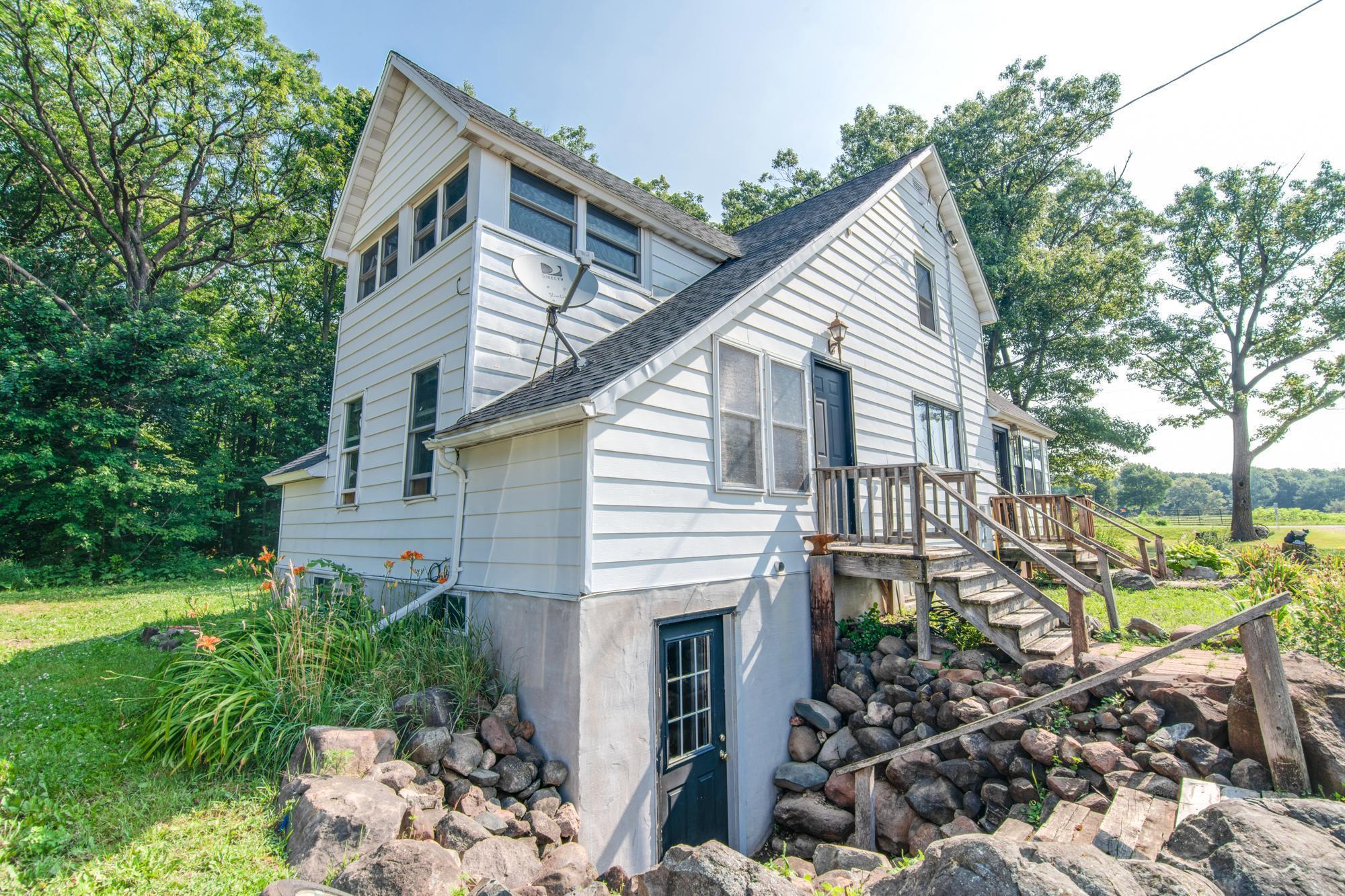1160 260th Street Property Photo