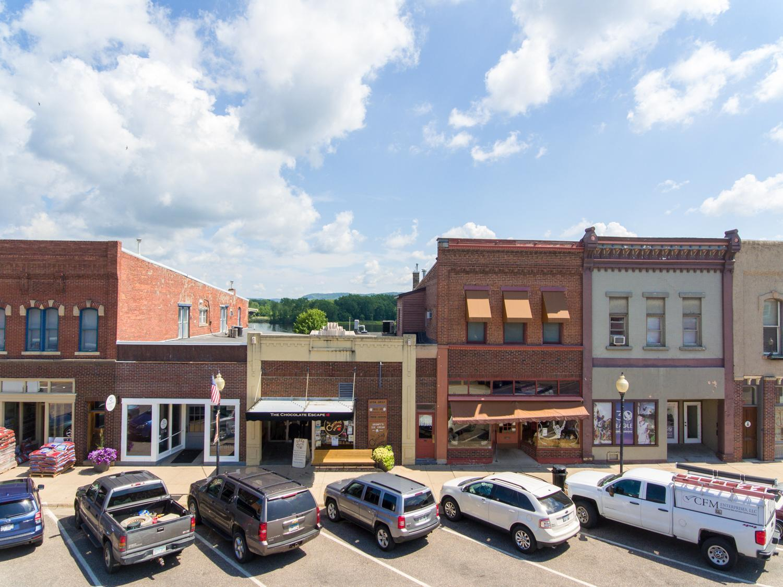 152 Main Street Property Photo