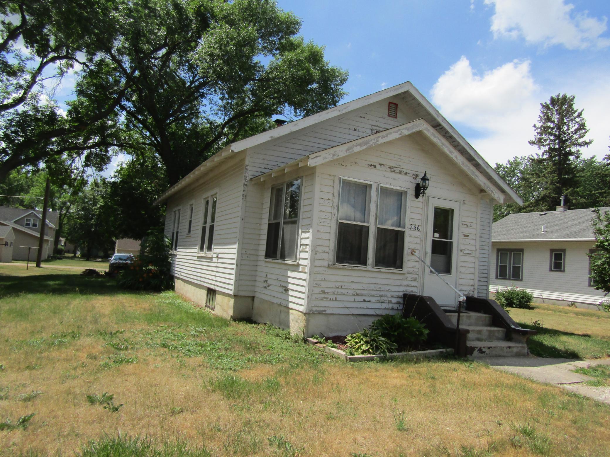 E 246 Rooney Avenue Property Photo