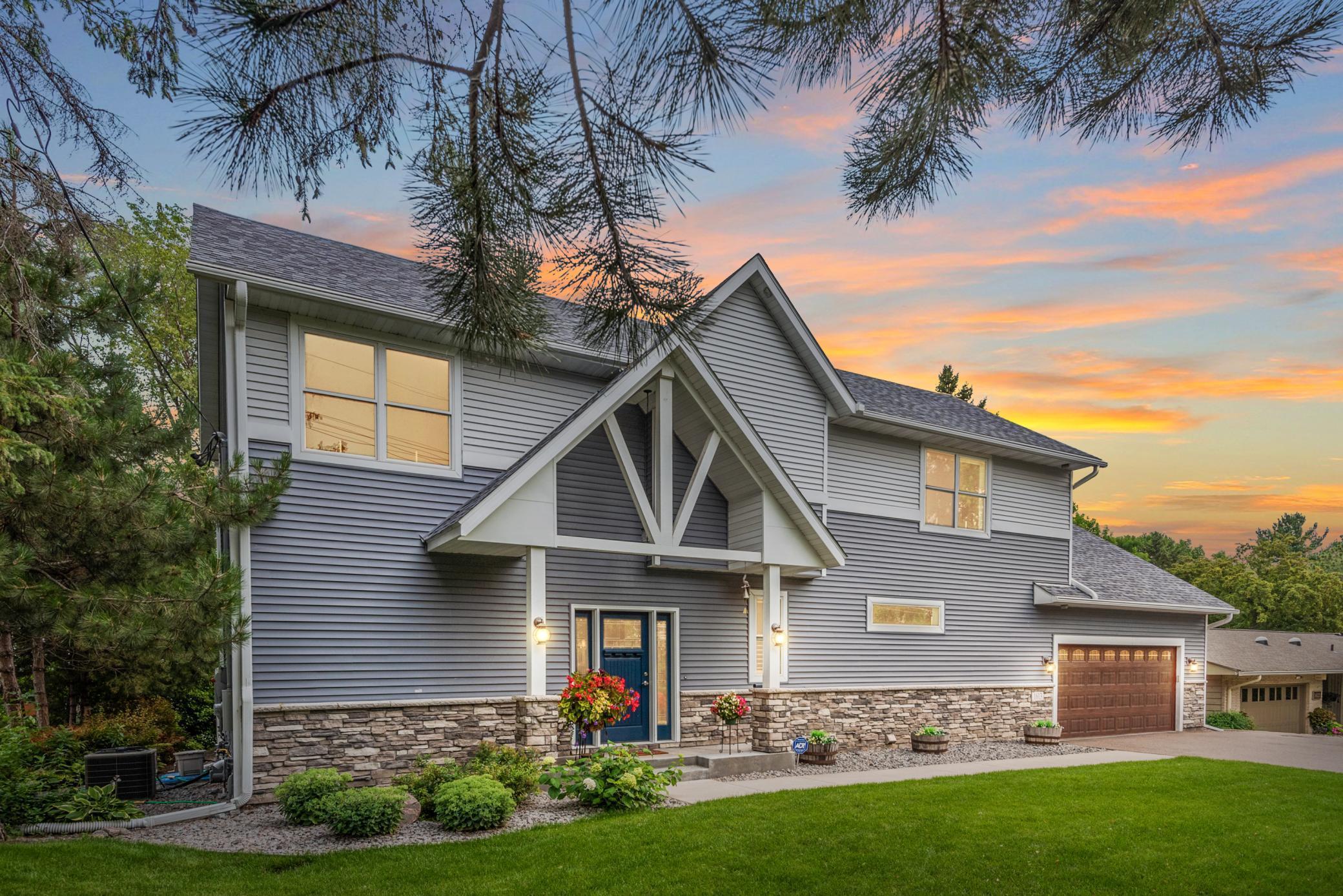 1613 Peltier Lake Drive Property Photo