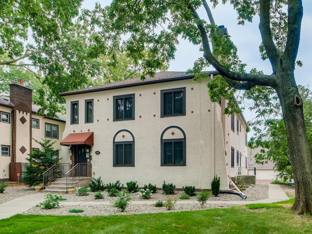 670 Summit Avenue Property Photo
