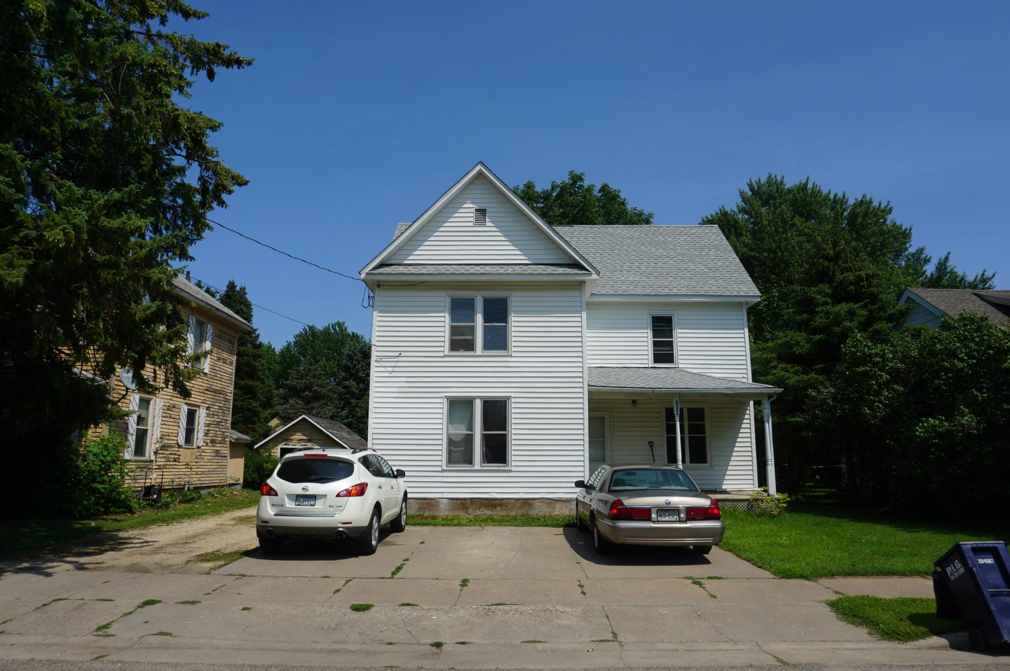 S 260 Plum Street Property Photo