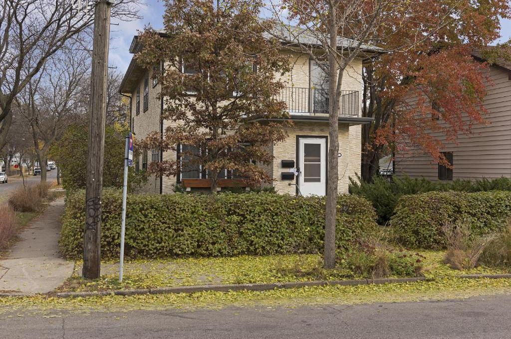B S Wrights Add Real Estate Listings Main Image