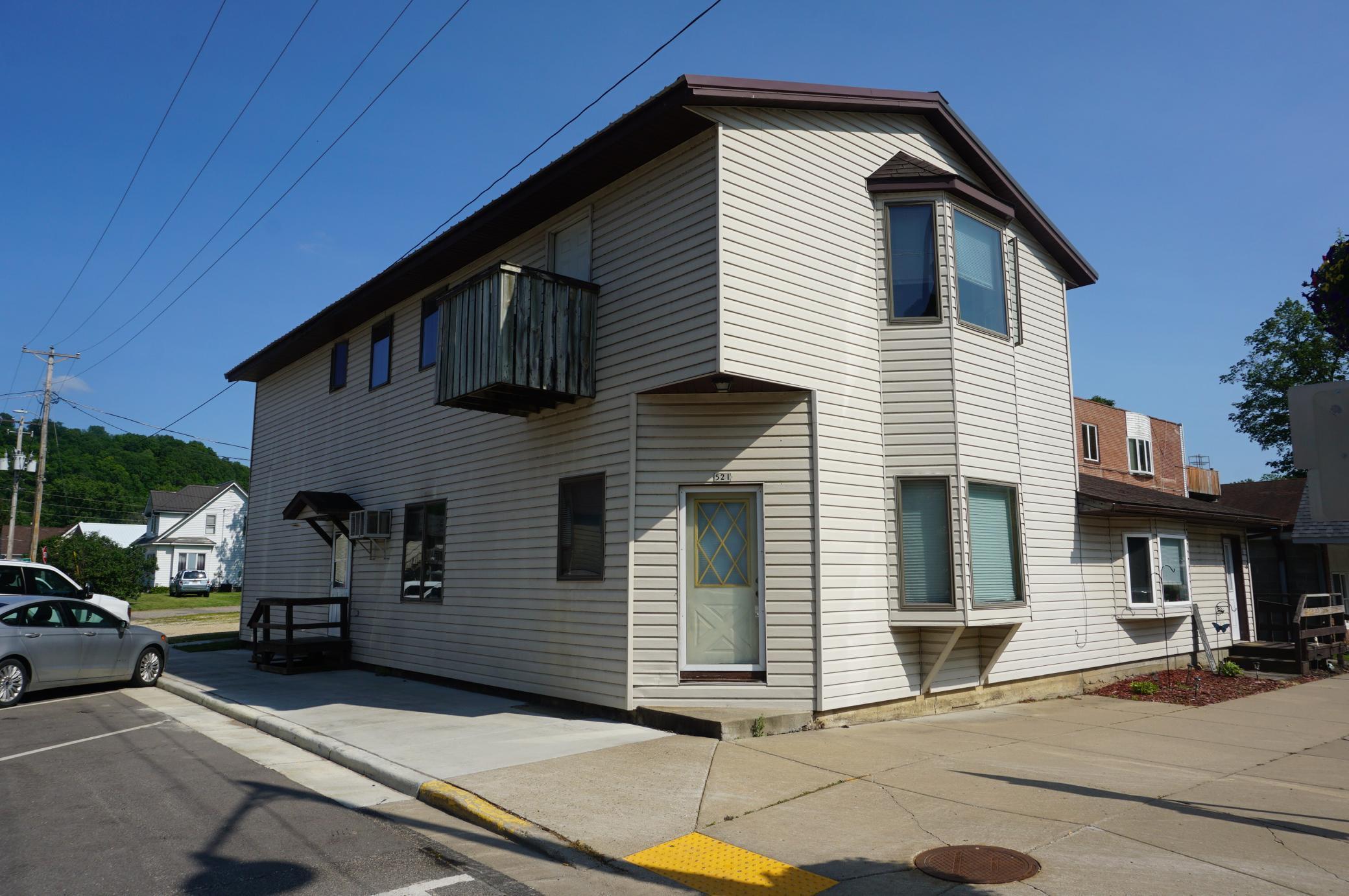 131 Pine Avenue E Property Photo