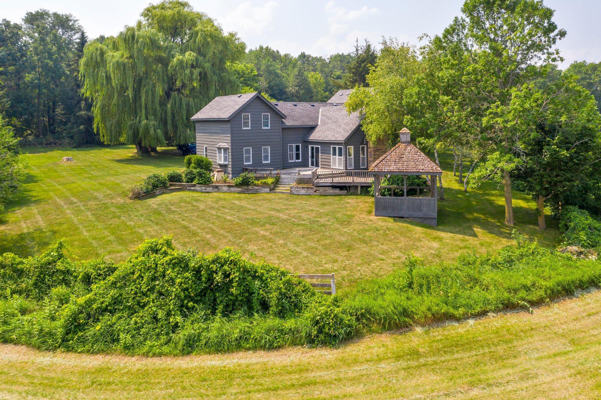 9955 Oak Avenue Property Photo