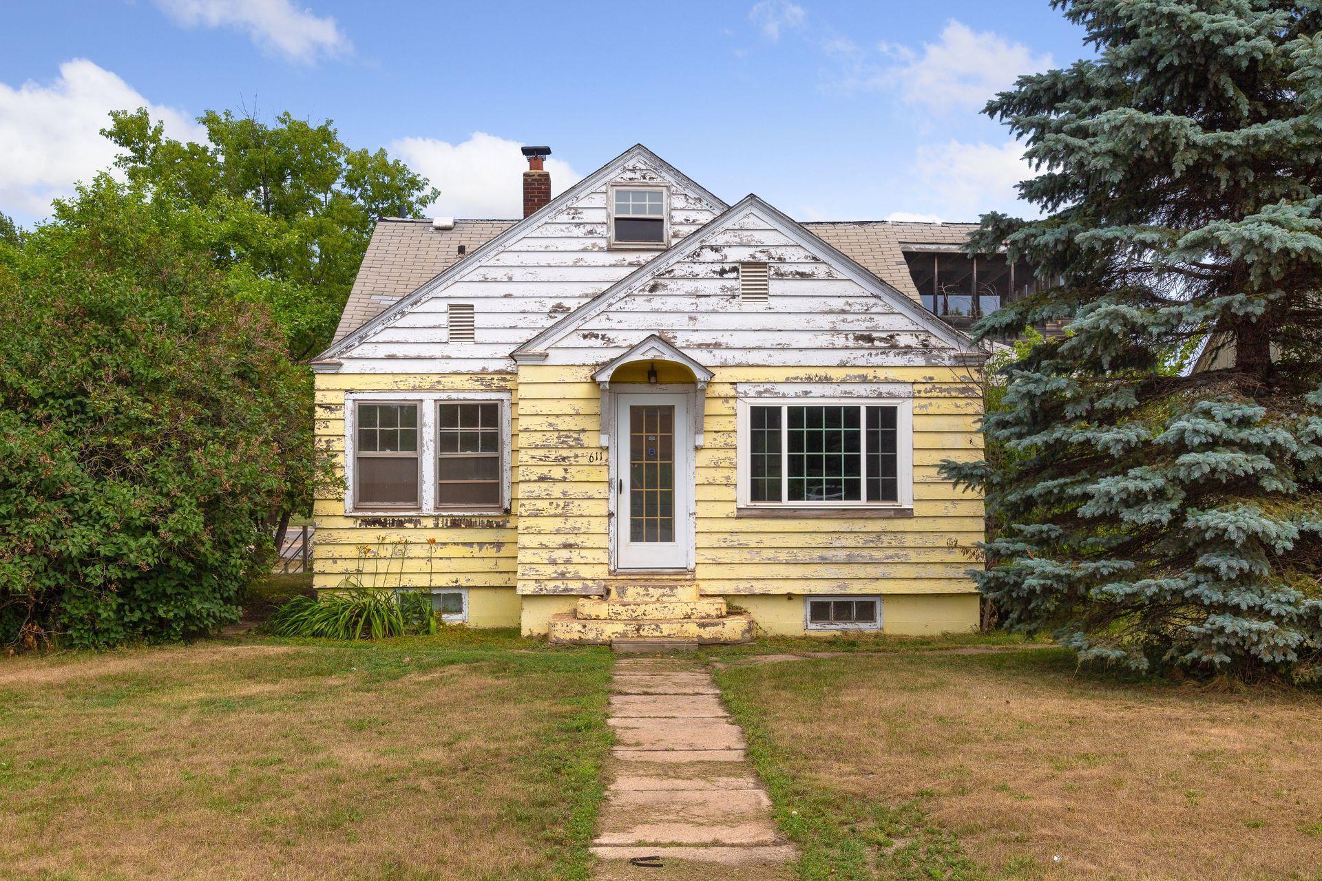 611 Roosevelt Street Property Photo