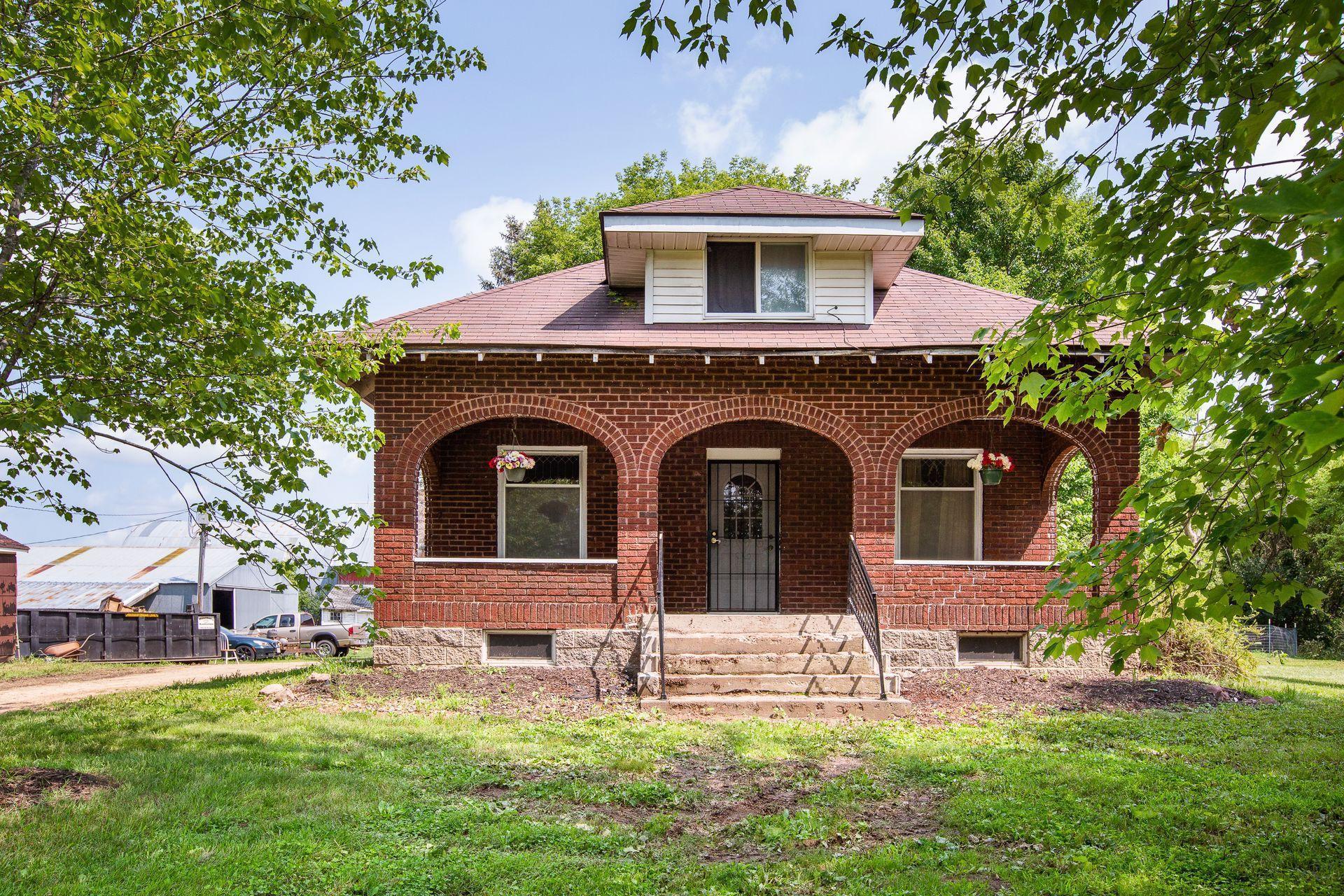 902 100th Street Property Photo