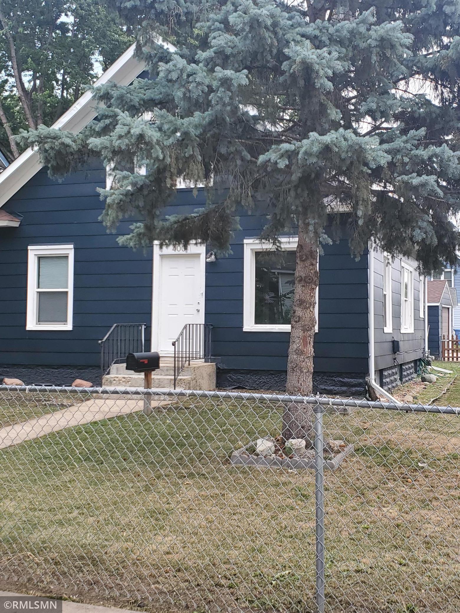 400 Oliver Avenue Property Photo