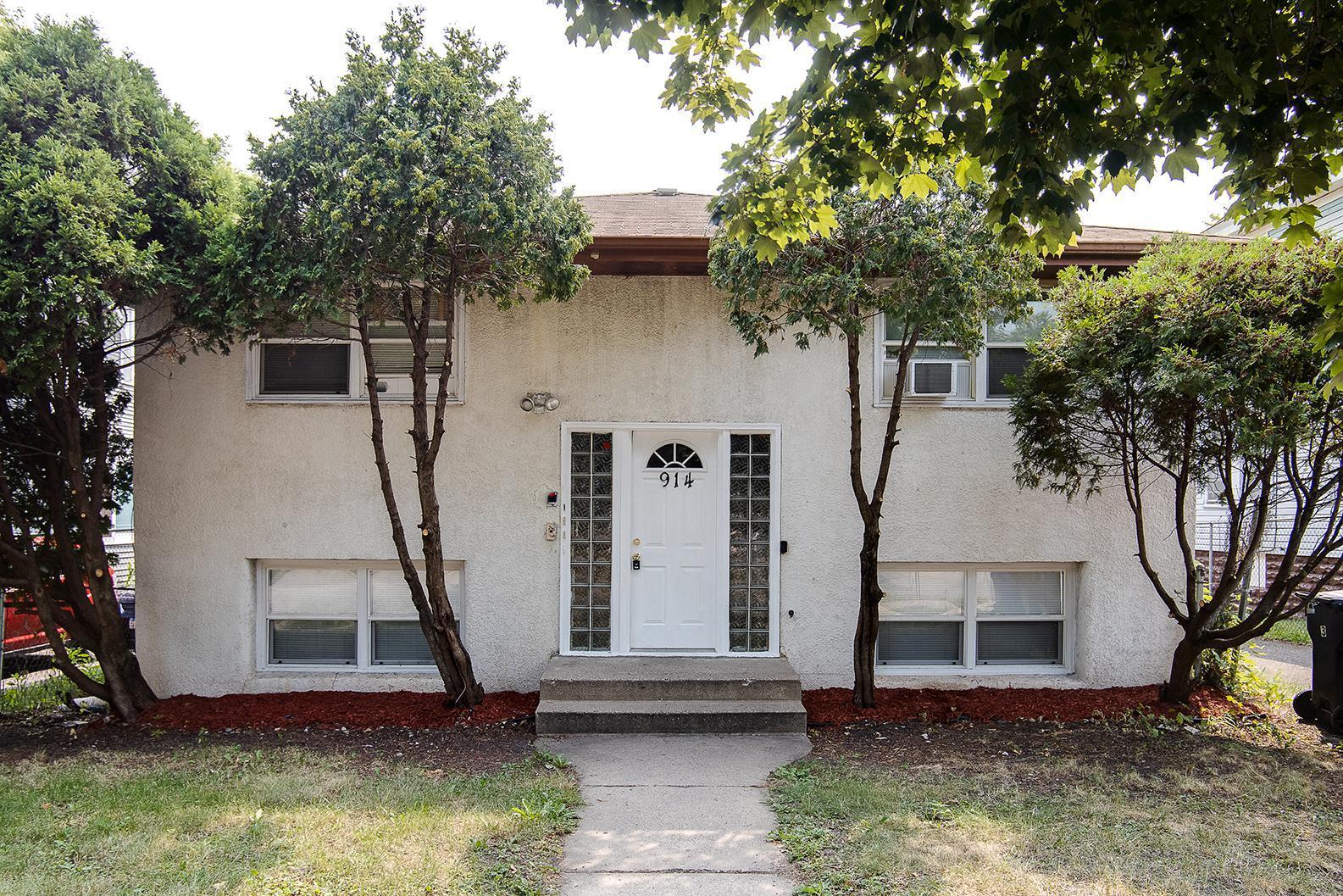 914 Burr Street Property Photo