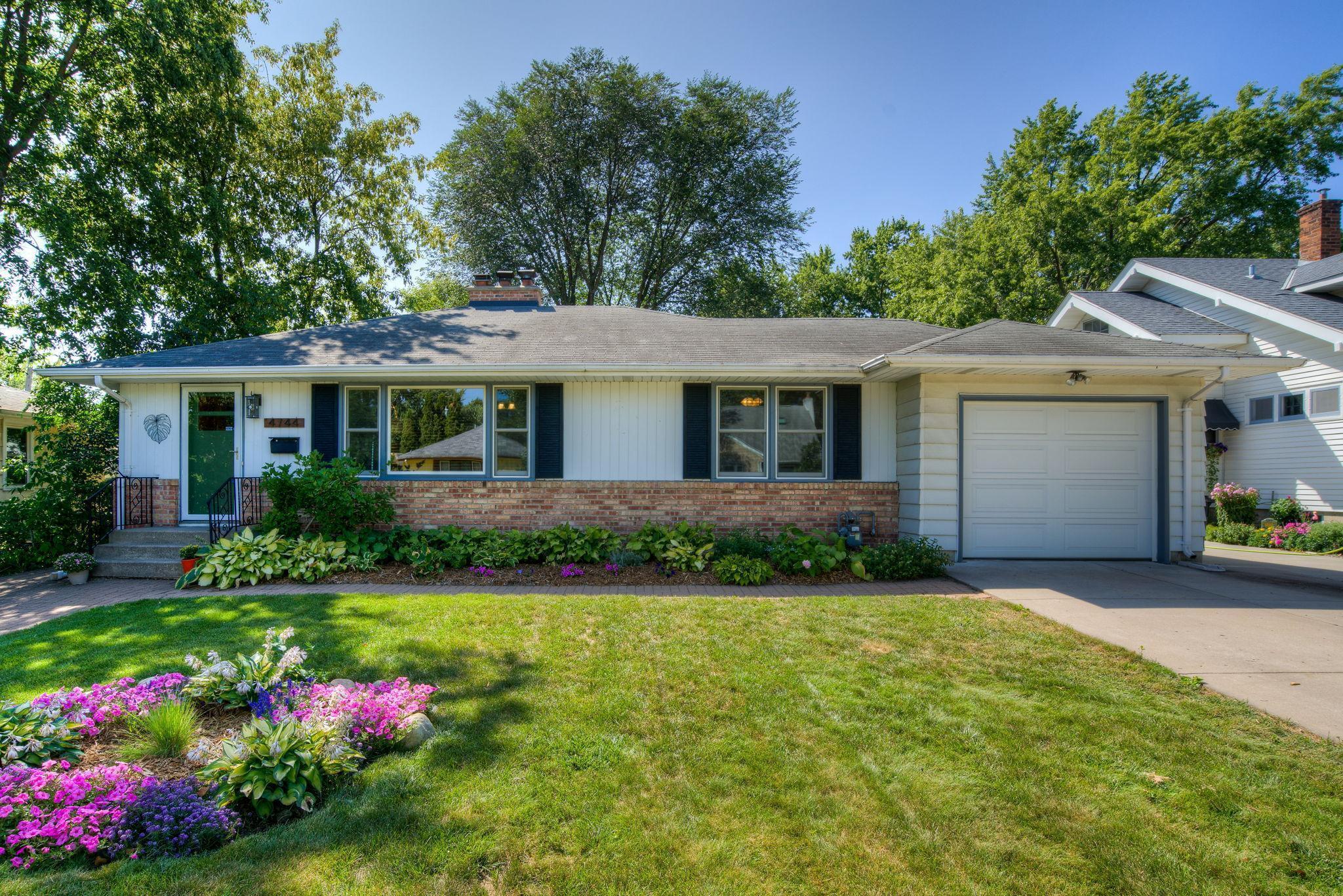 4744 Abbott Avenue Property Photo