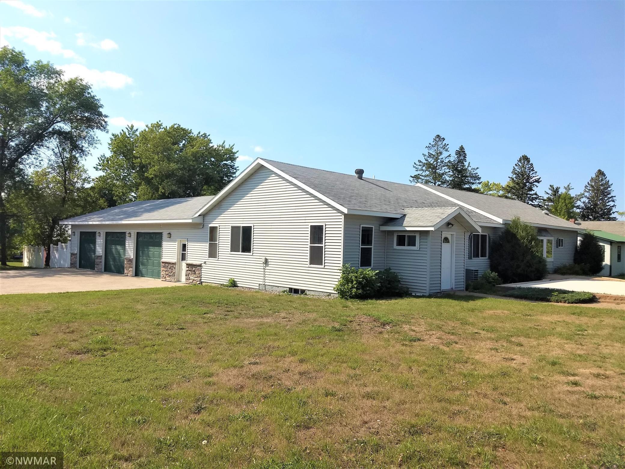 121 Oak Avenue Property Photo