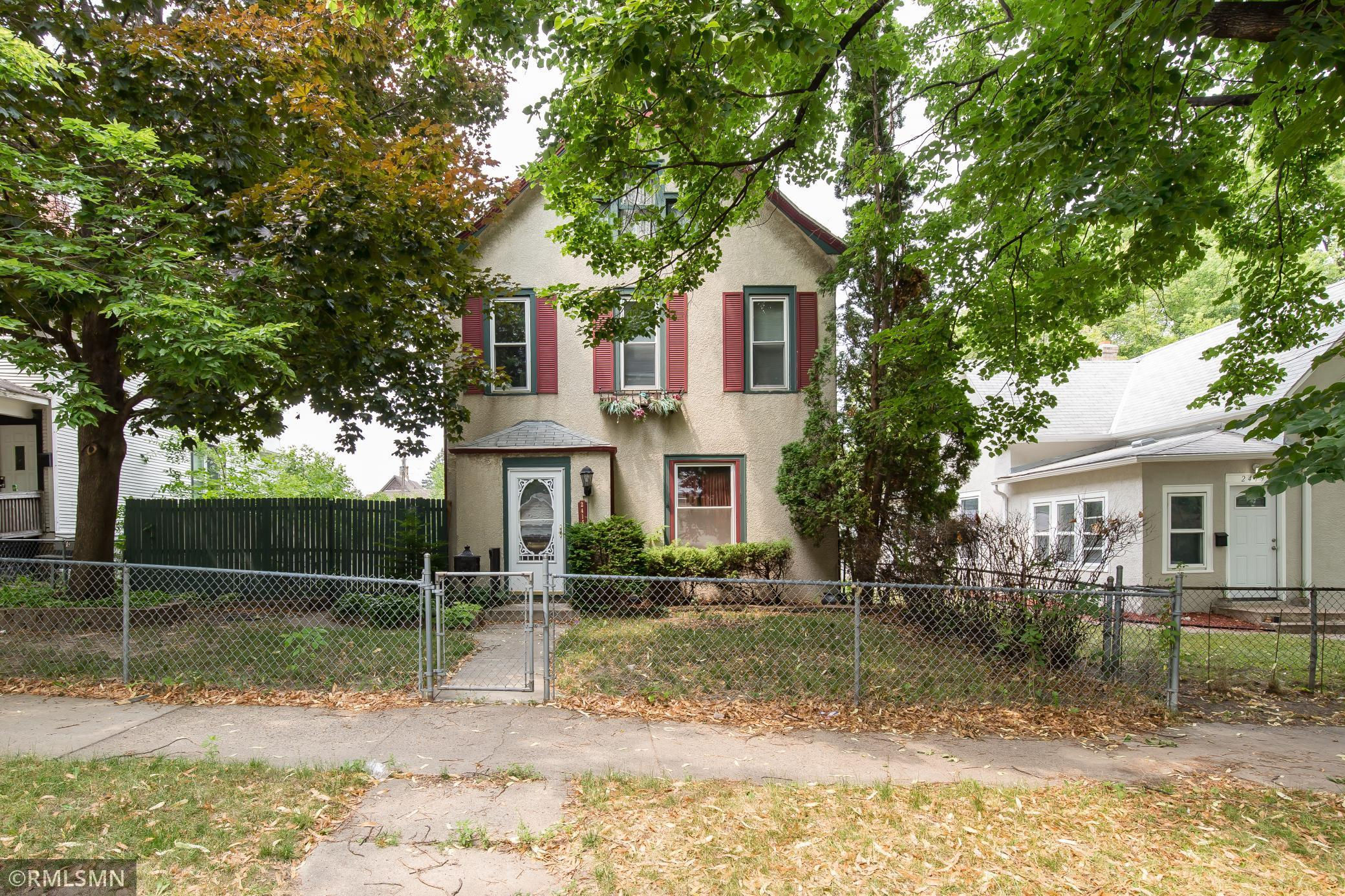 2415 Ilion Avenue Property Photo