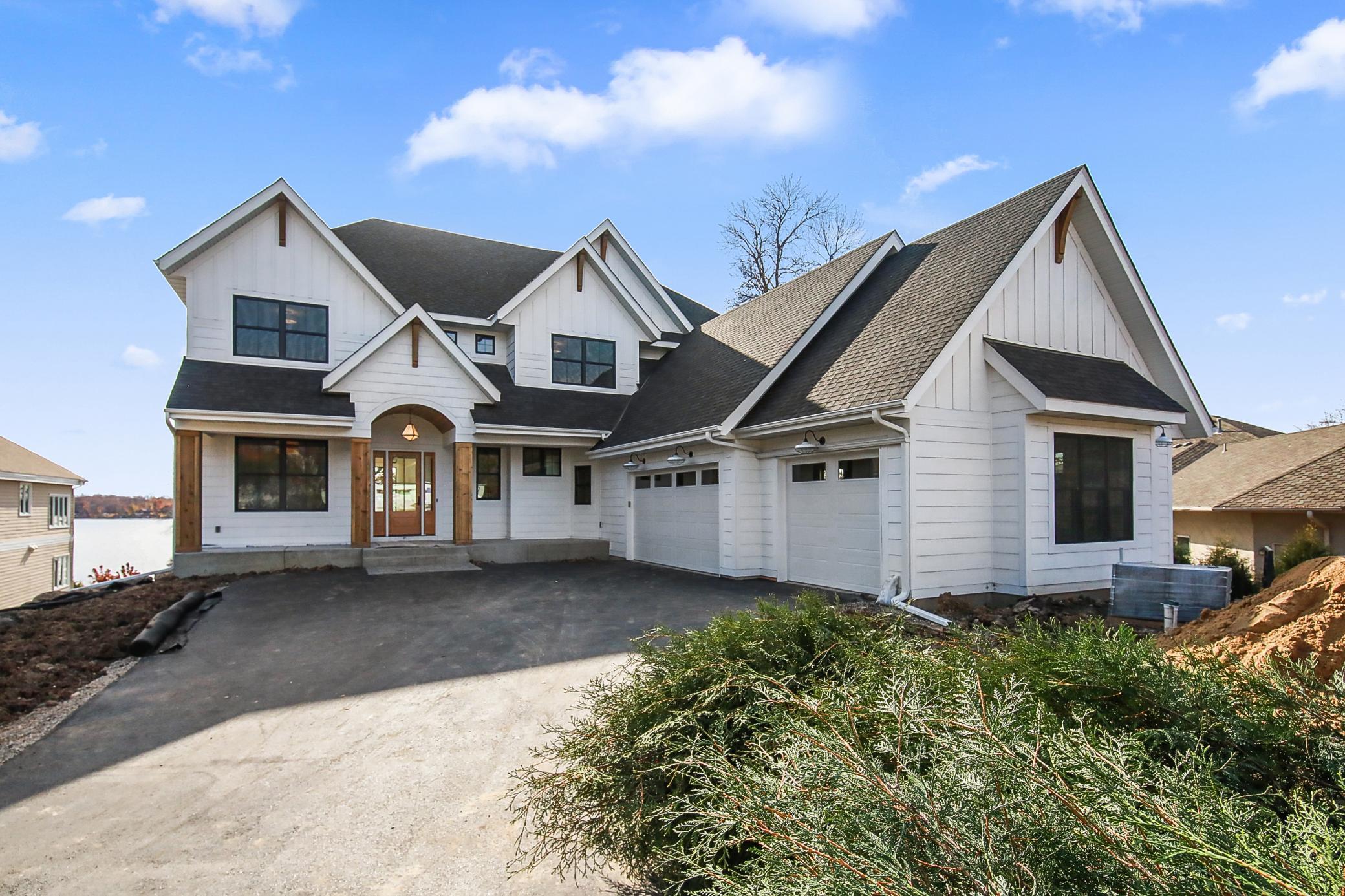 127xx May Avenue Property Photo