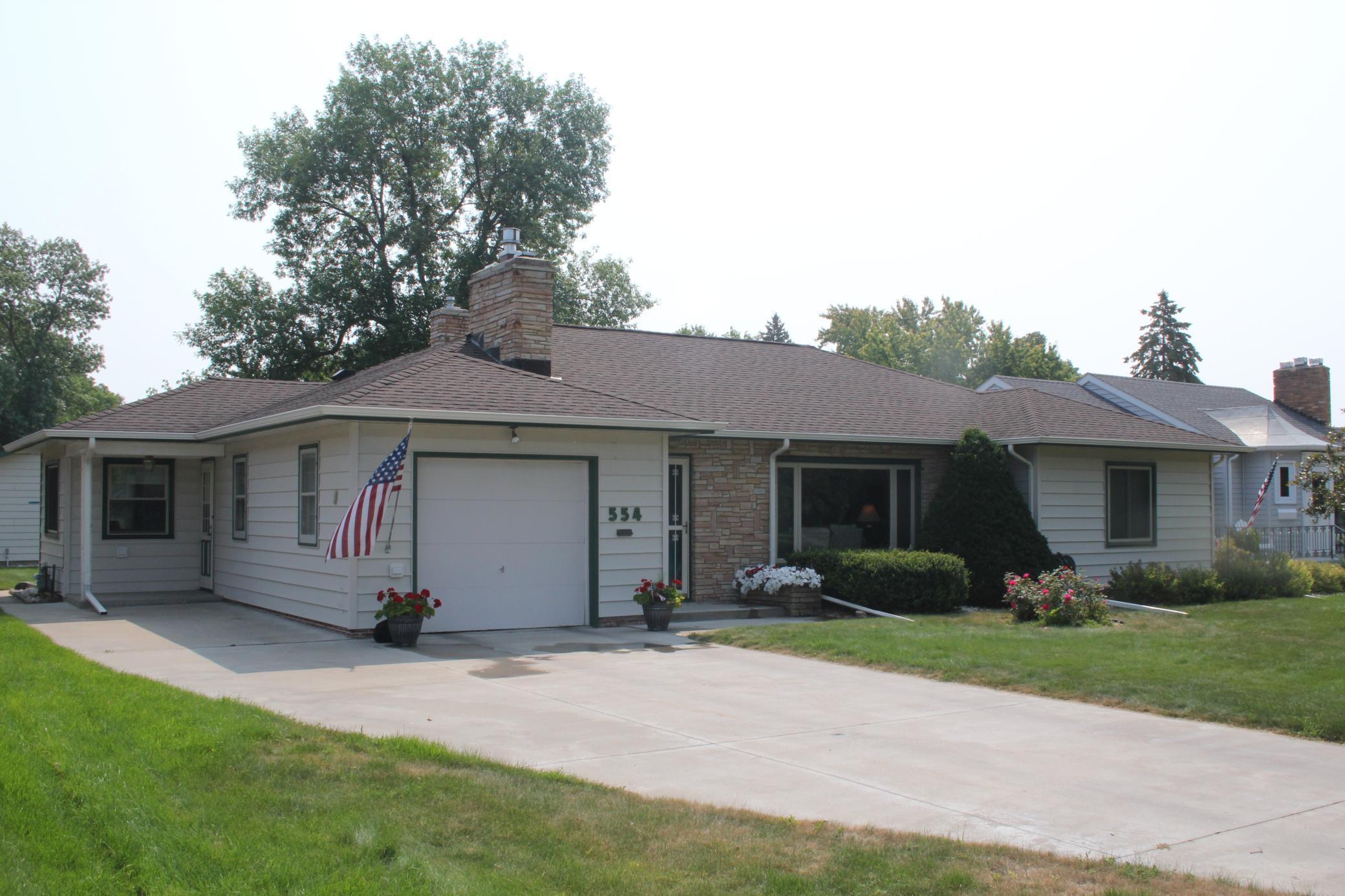 554 Park Avenue Property Photo