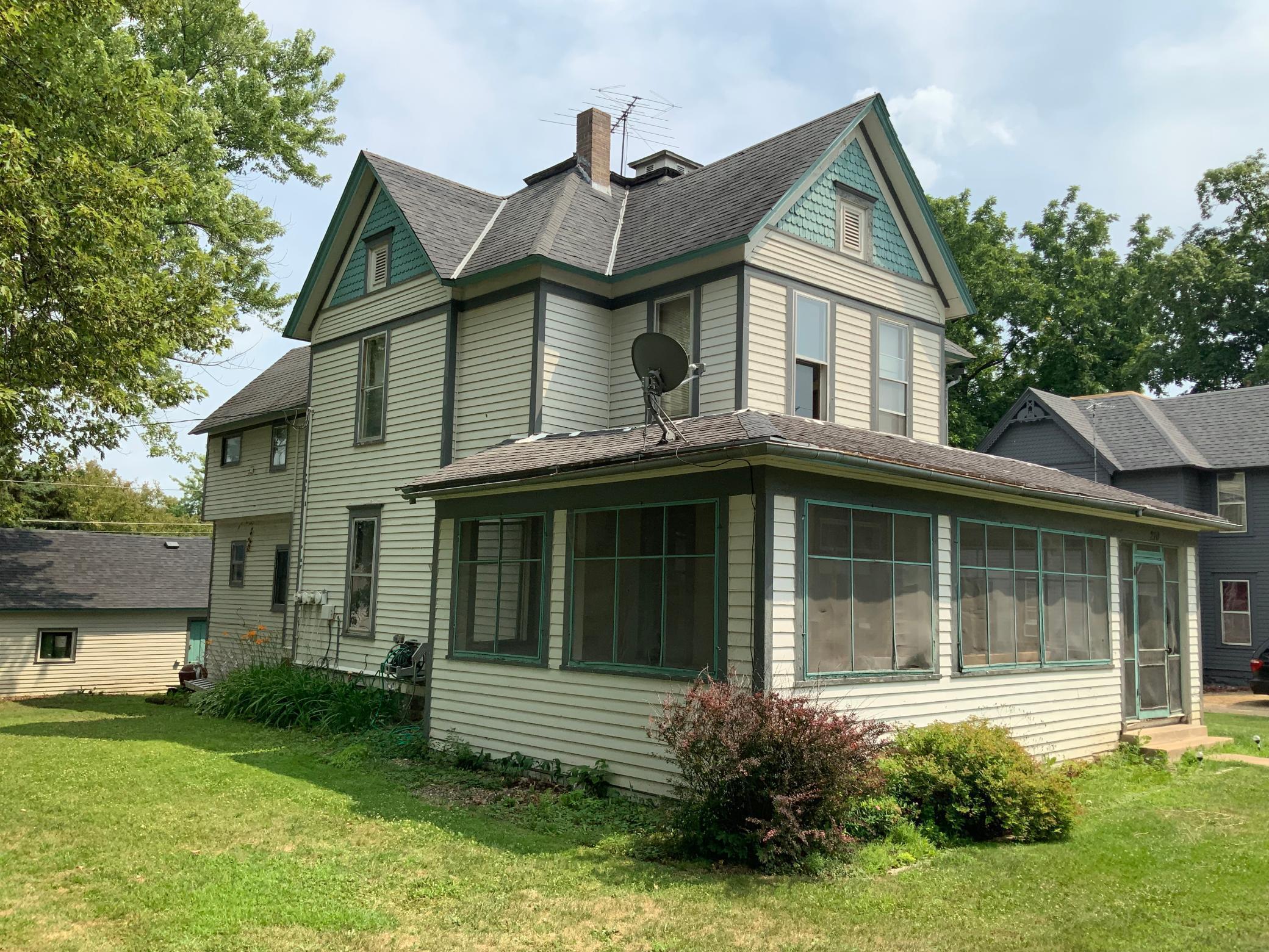 S 210 Chestnut Street Property Photo