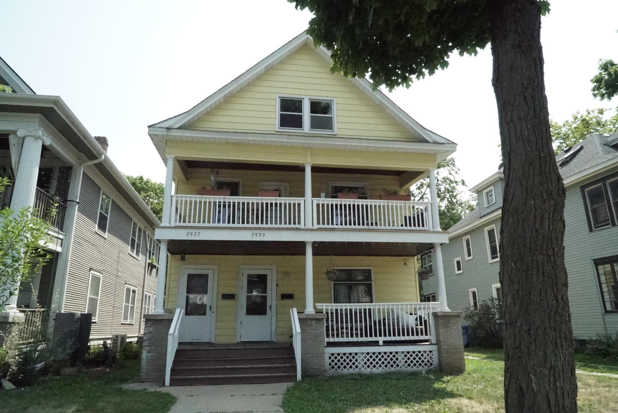 2537 Grand Avenue Property Photo