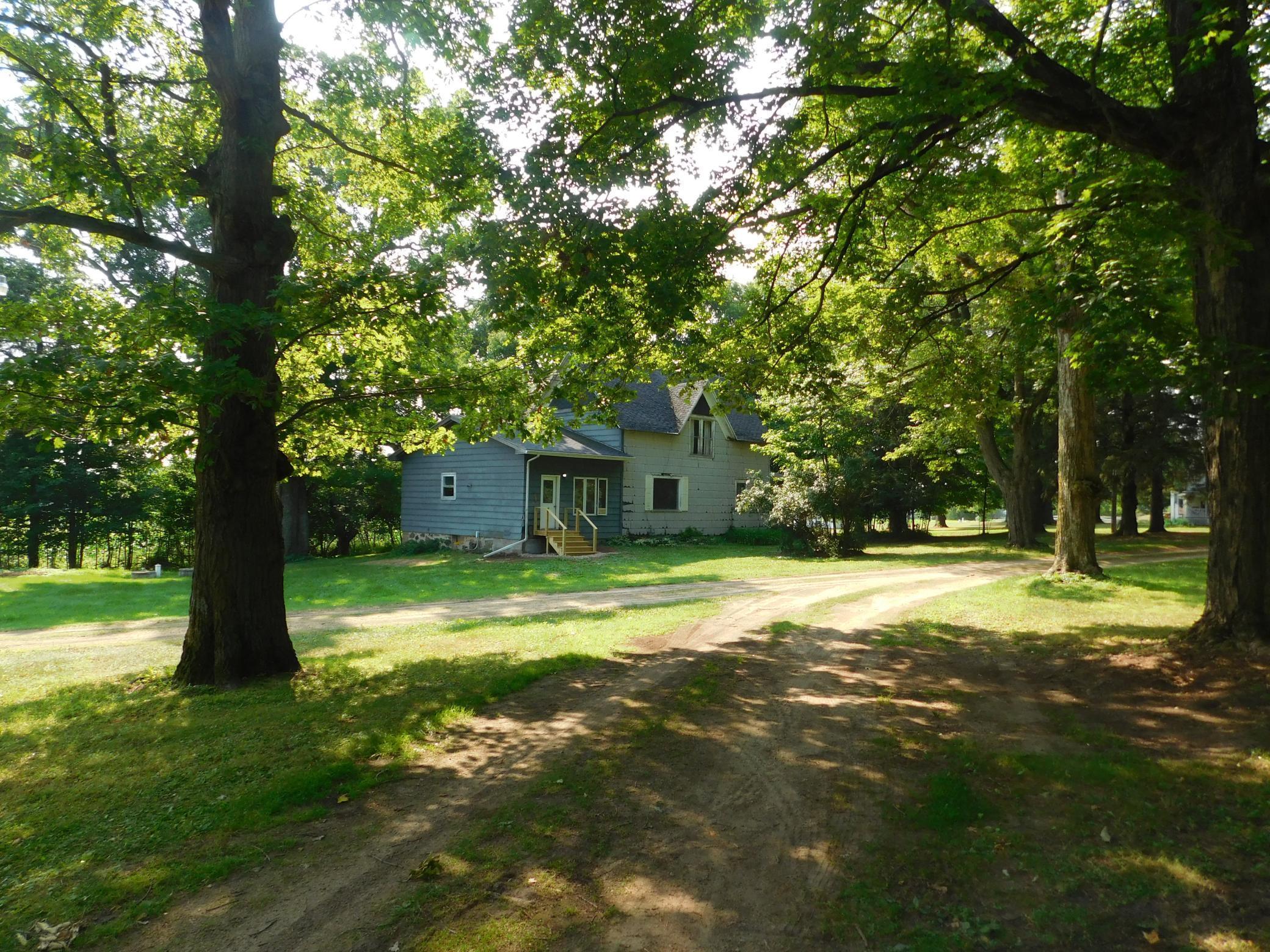 E1795 County Road Property Photo
