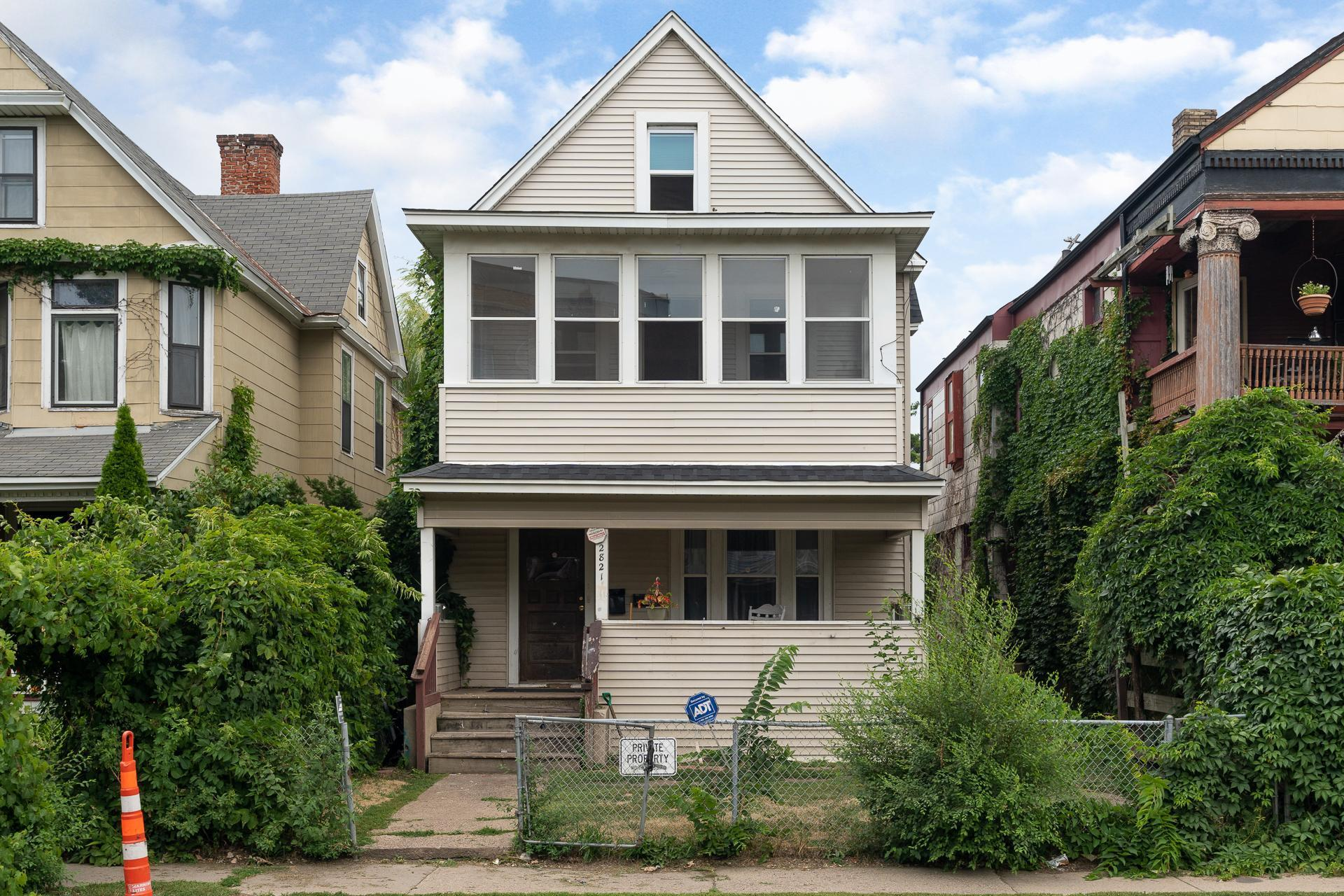 2821 1st Avenue Property Photo