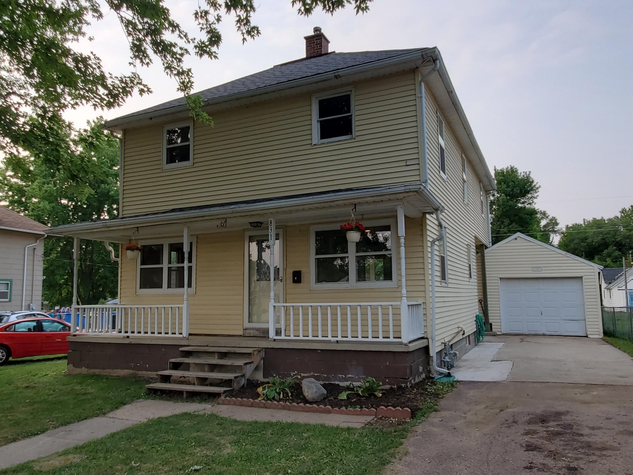 W 831 Main Street Property Photo