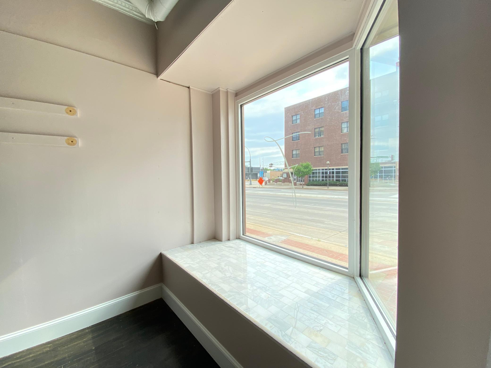 113-115 Broadway Avenue Property Photo 4