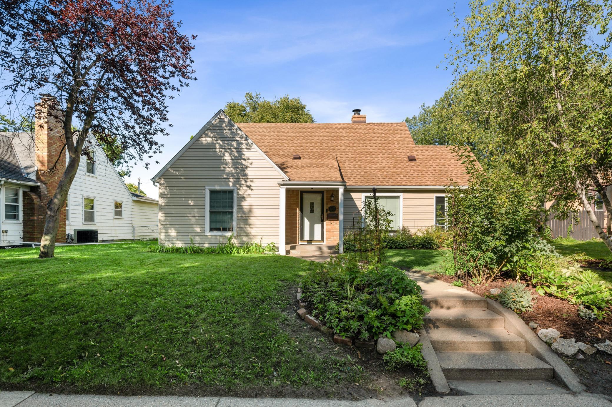 3649 Thomas Avenue Property Photo