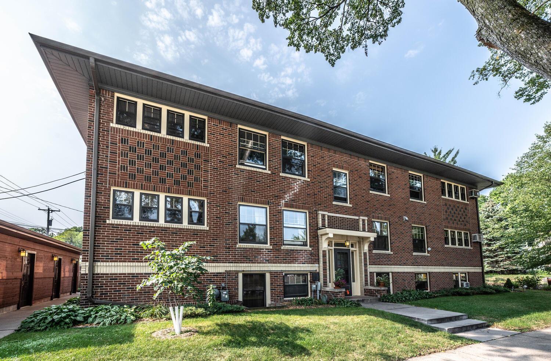 319 W 47th Street Property Photo