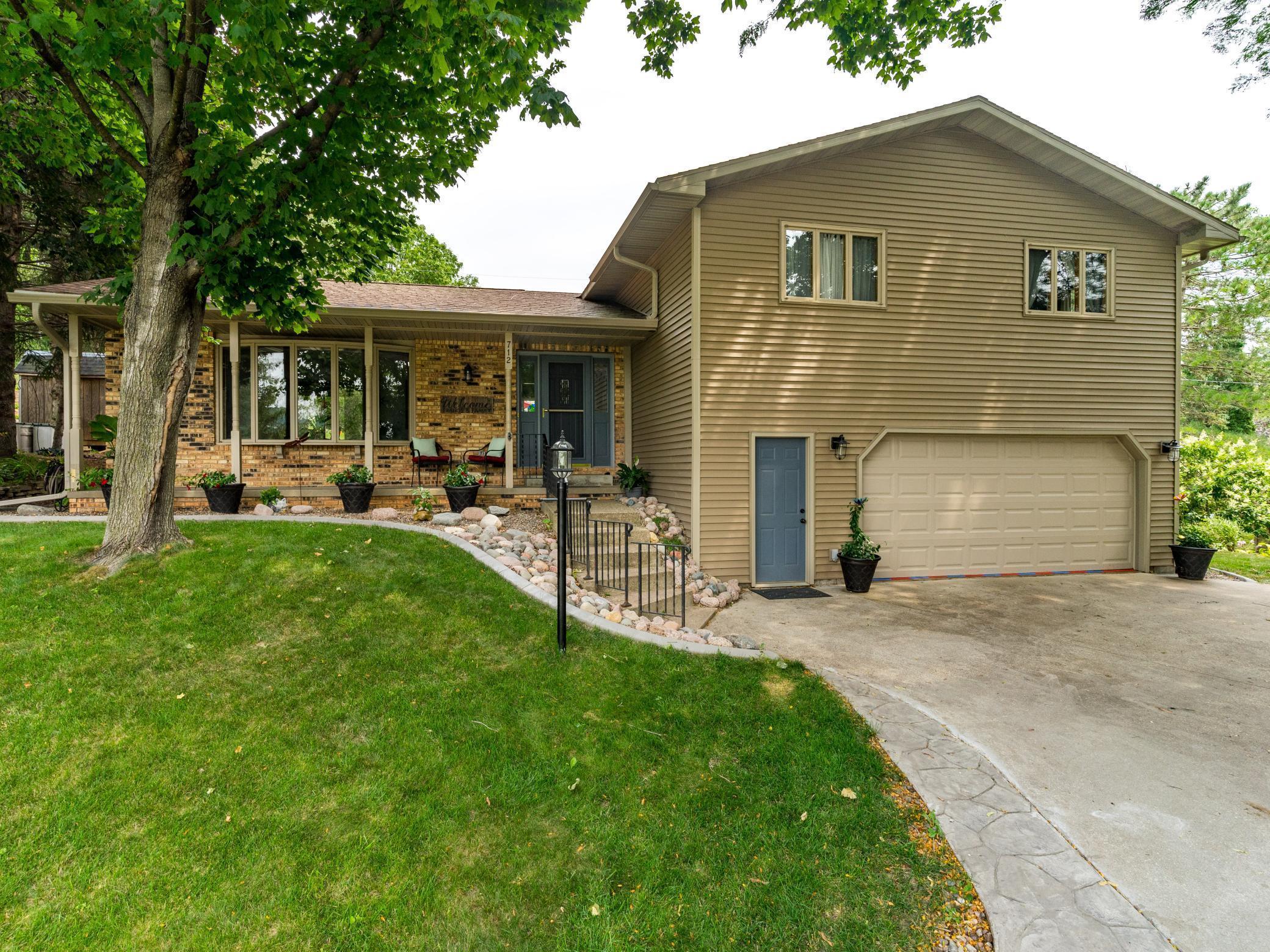 712 Hillcrest Avenue Property Photo 1