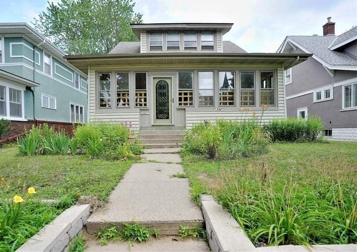 1242 Earl Street Property Photo