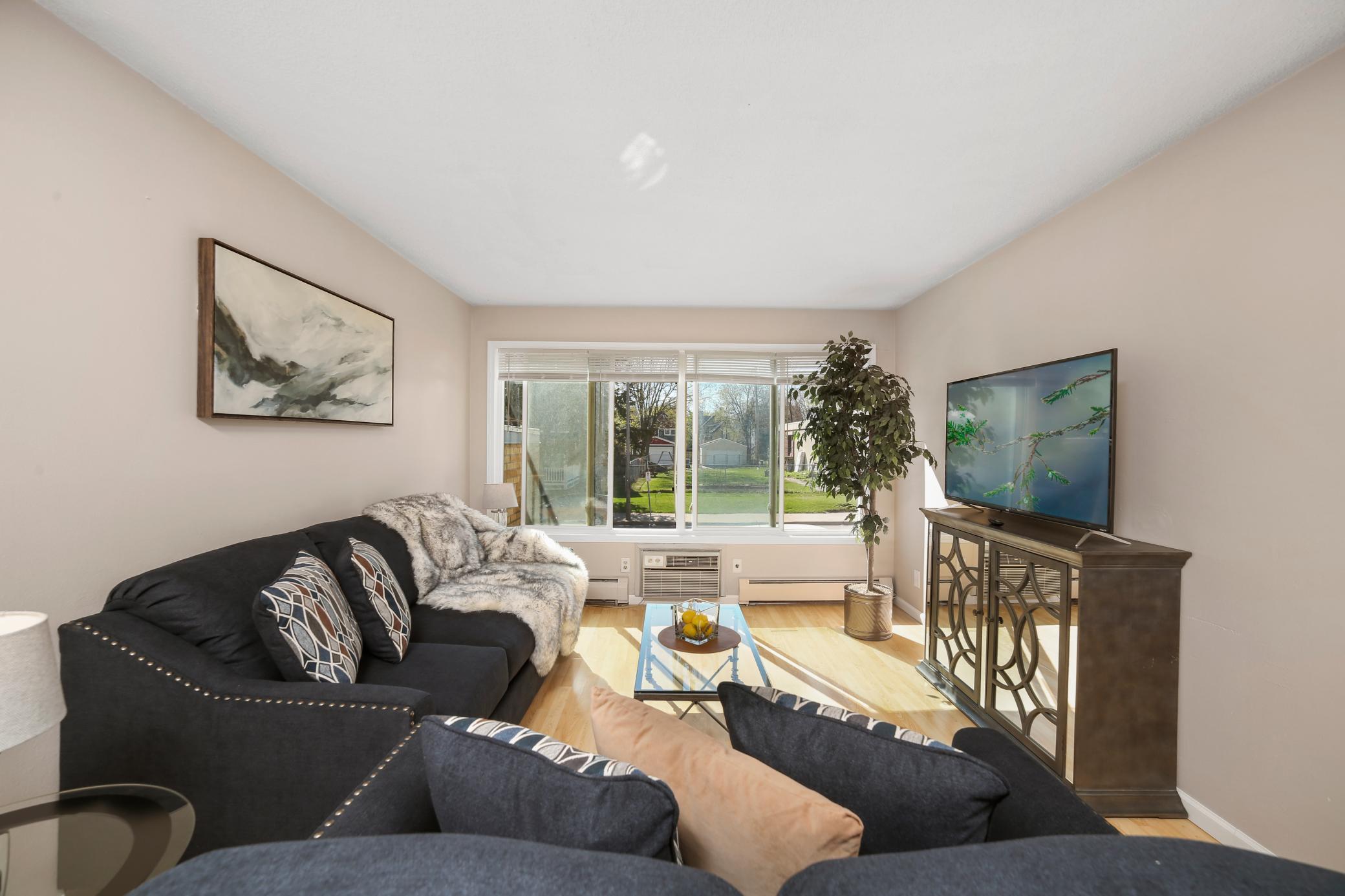 Lyndale Real Estate Listings Main Image