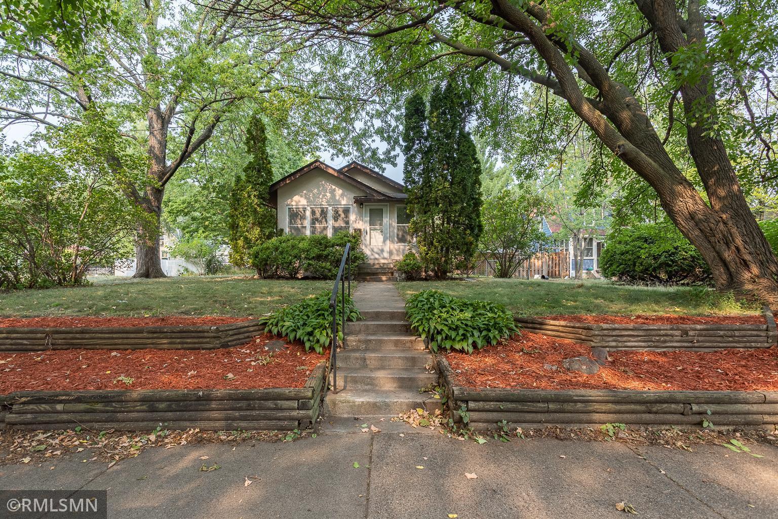 3016 43rd Avenue Property Photo