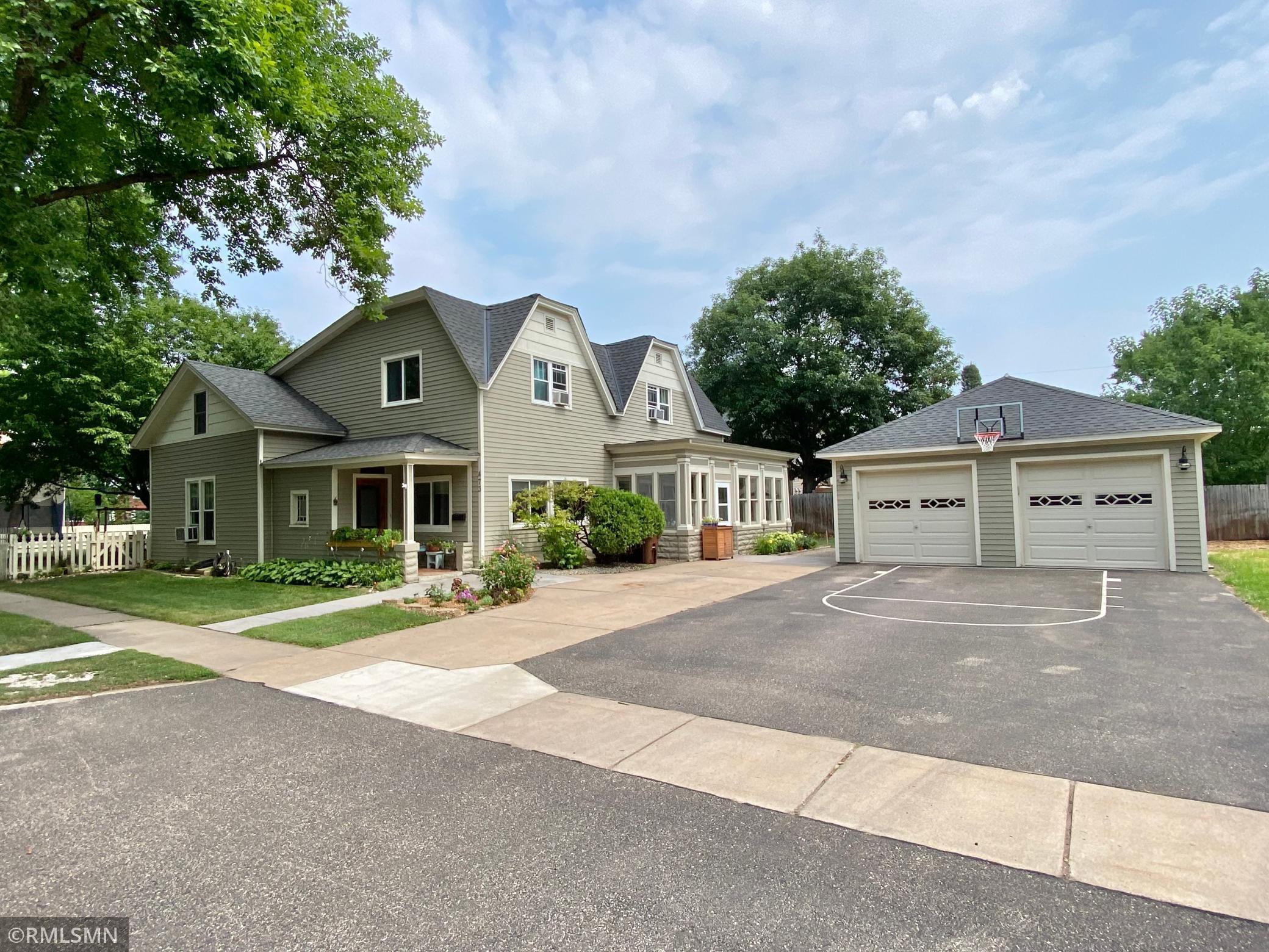 473 2nd Street Property Photo