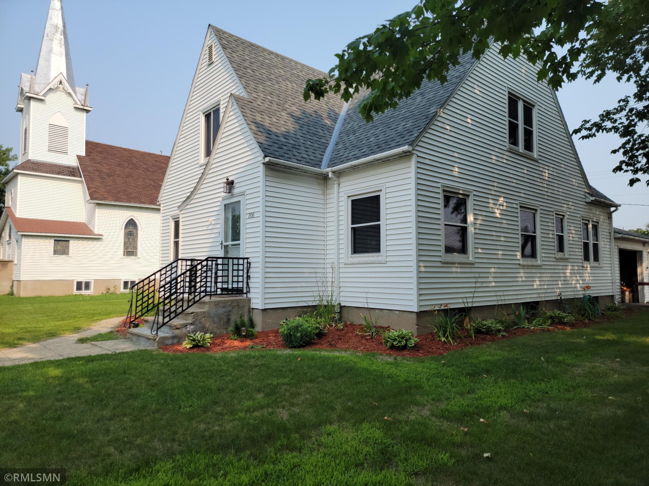 206 Leslie Avenue Property Photo