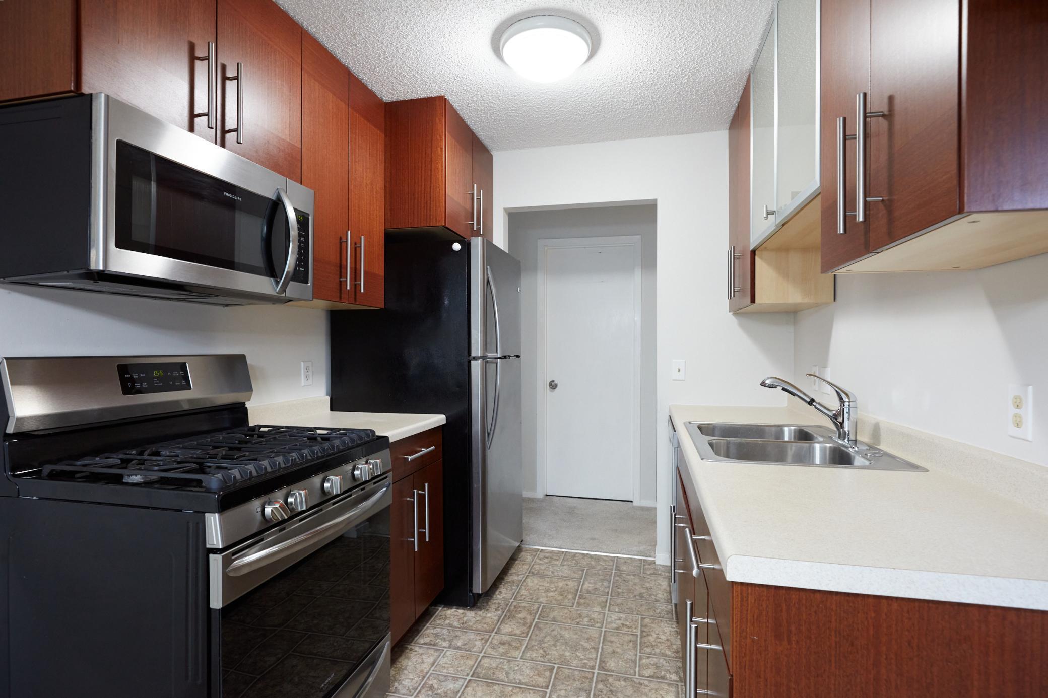 2610 Garfield Avenue Property Photo