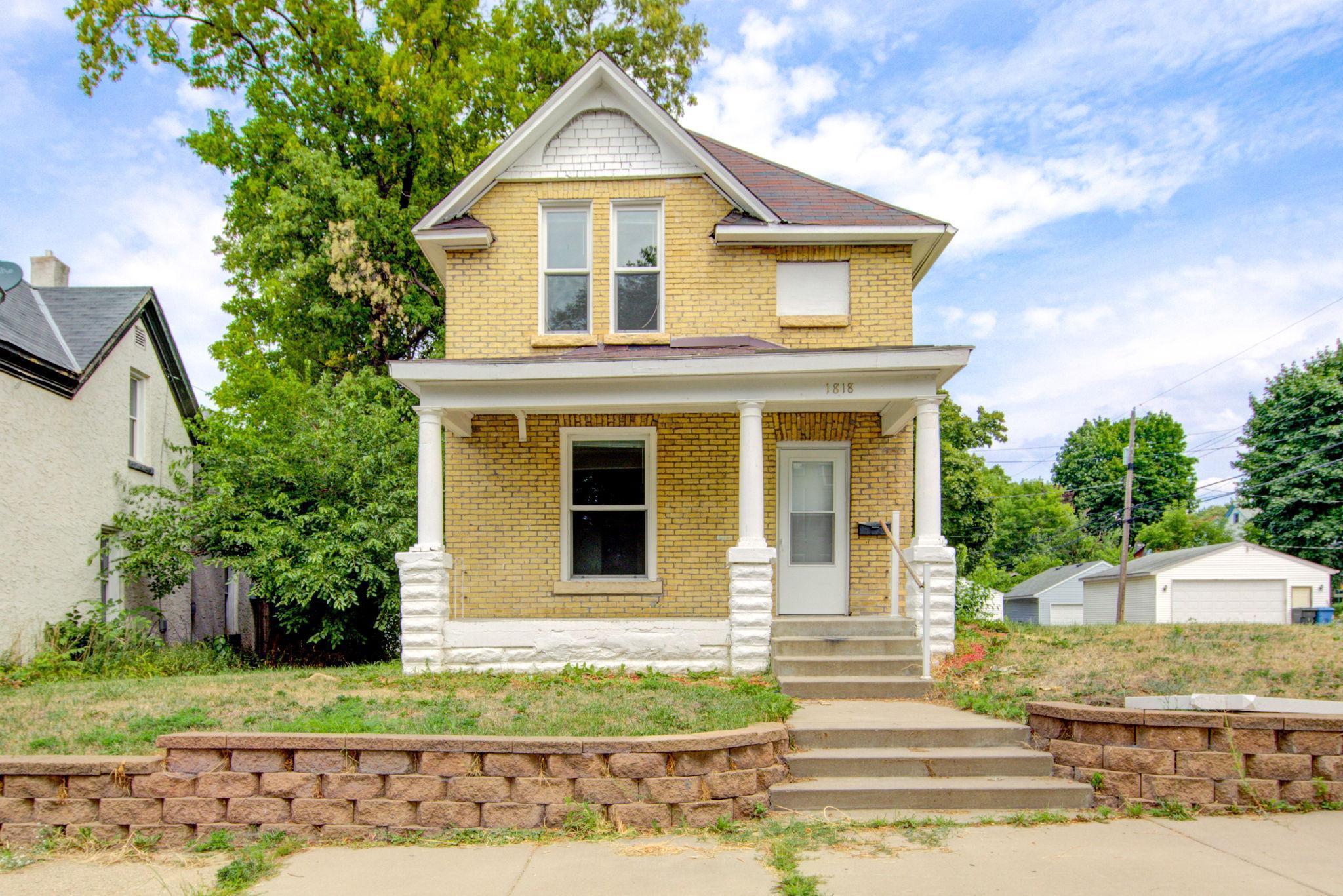 1818 Hillside Avenue Property Photo