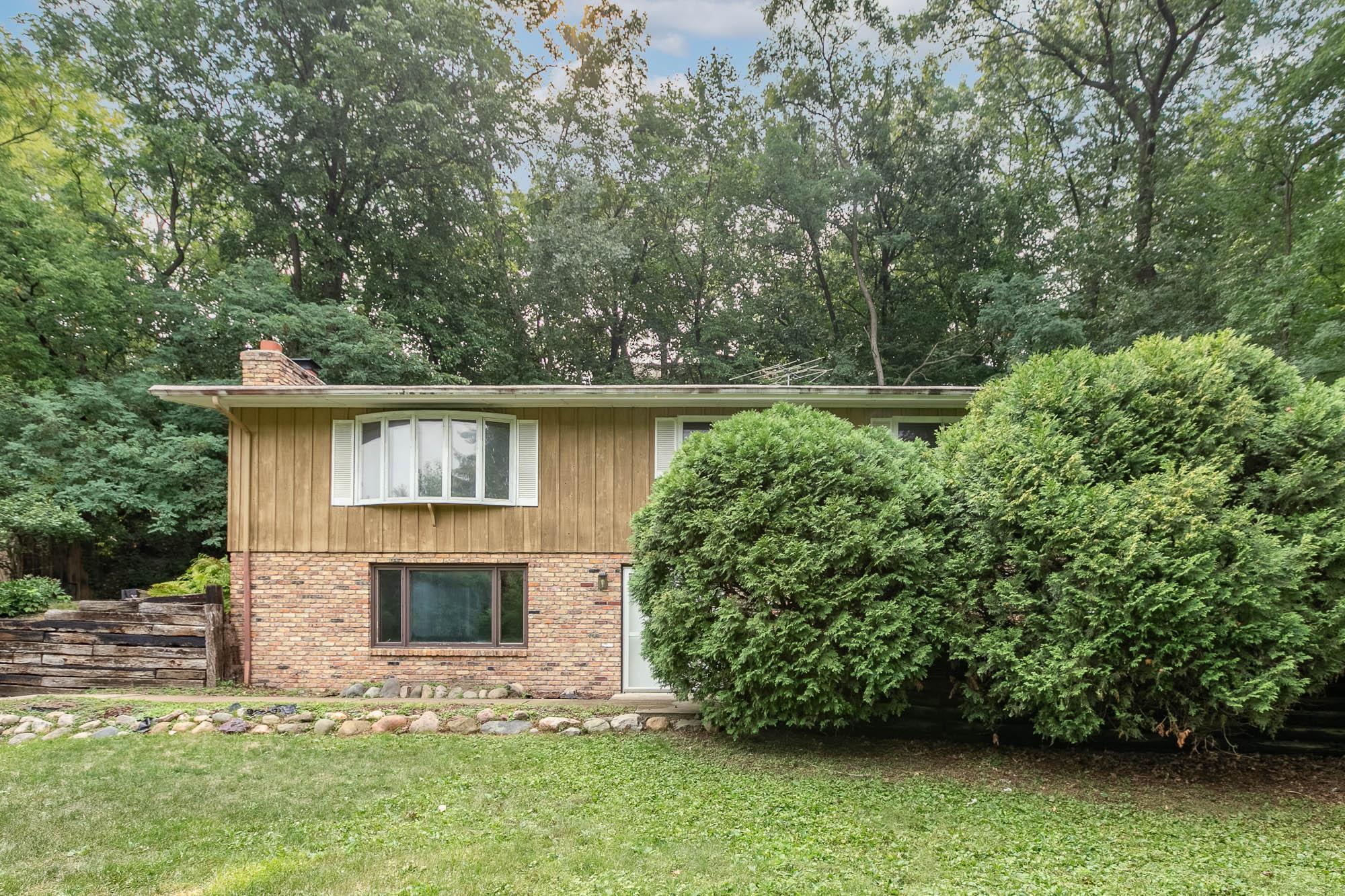 8045 W Bush Lake Road Property Photo