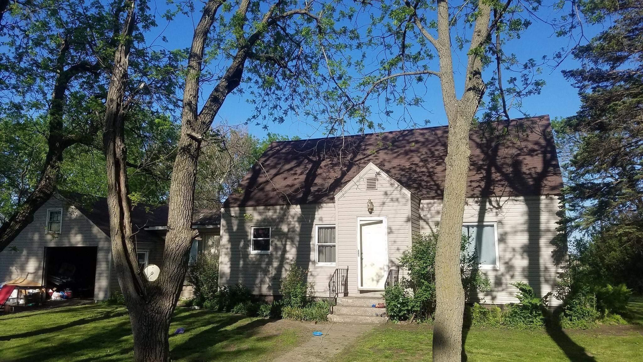 145 S Lindberg Avenue Property Photo