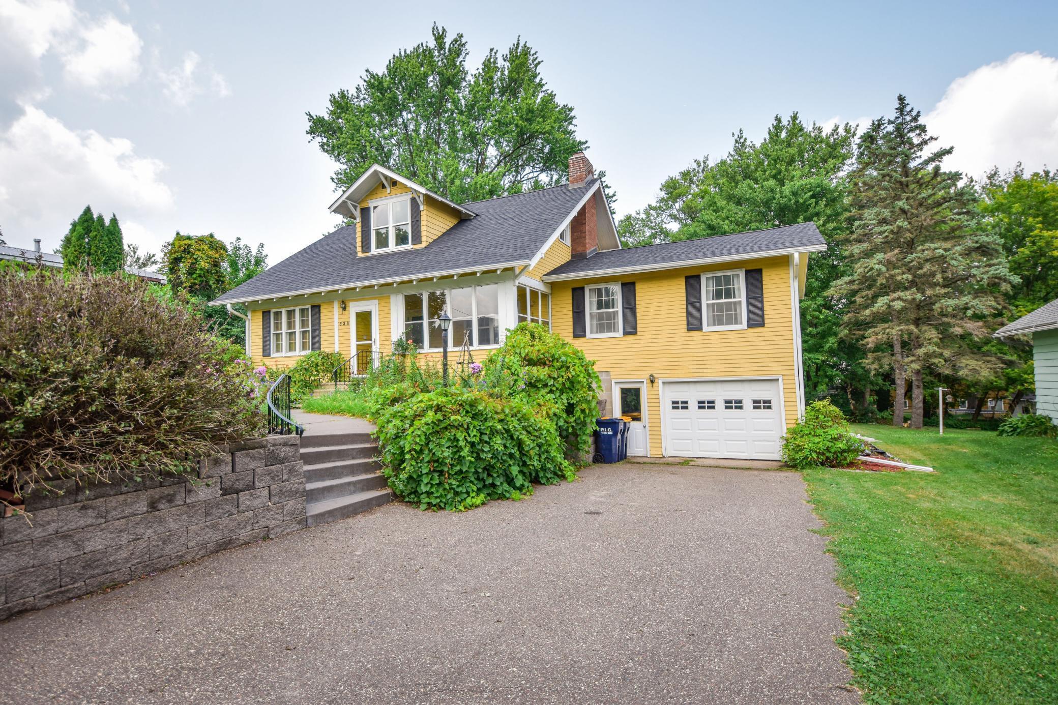 W 328 Grove Street Property Photo