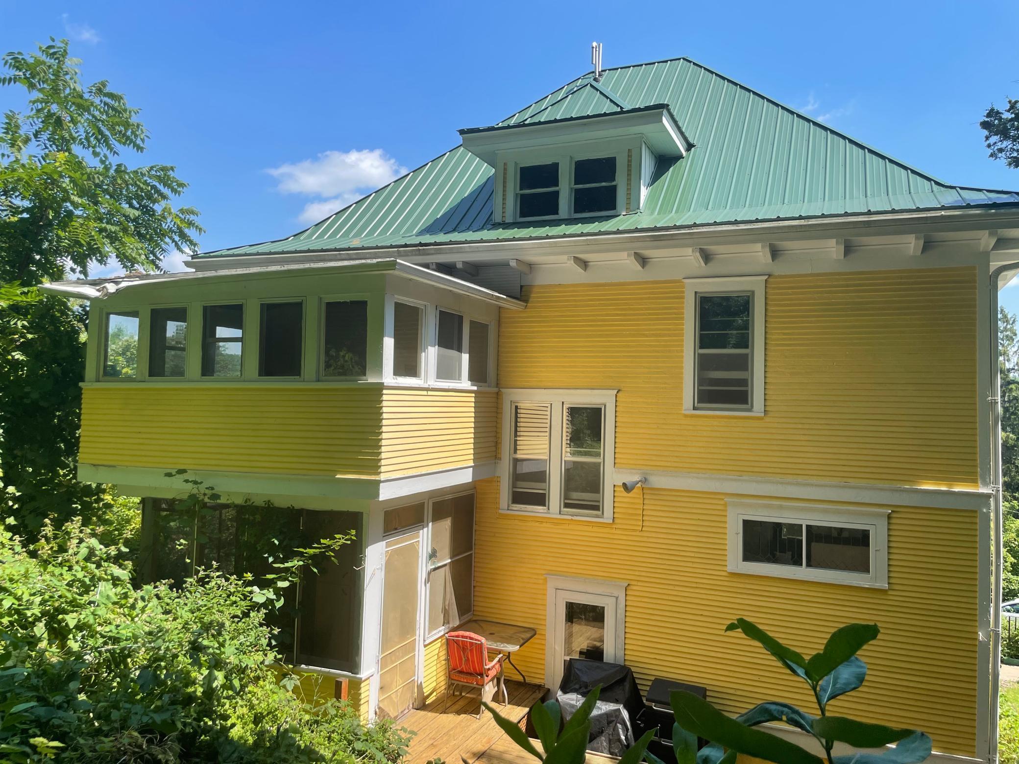 S123 Upper Glade Avenue Property Photo