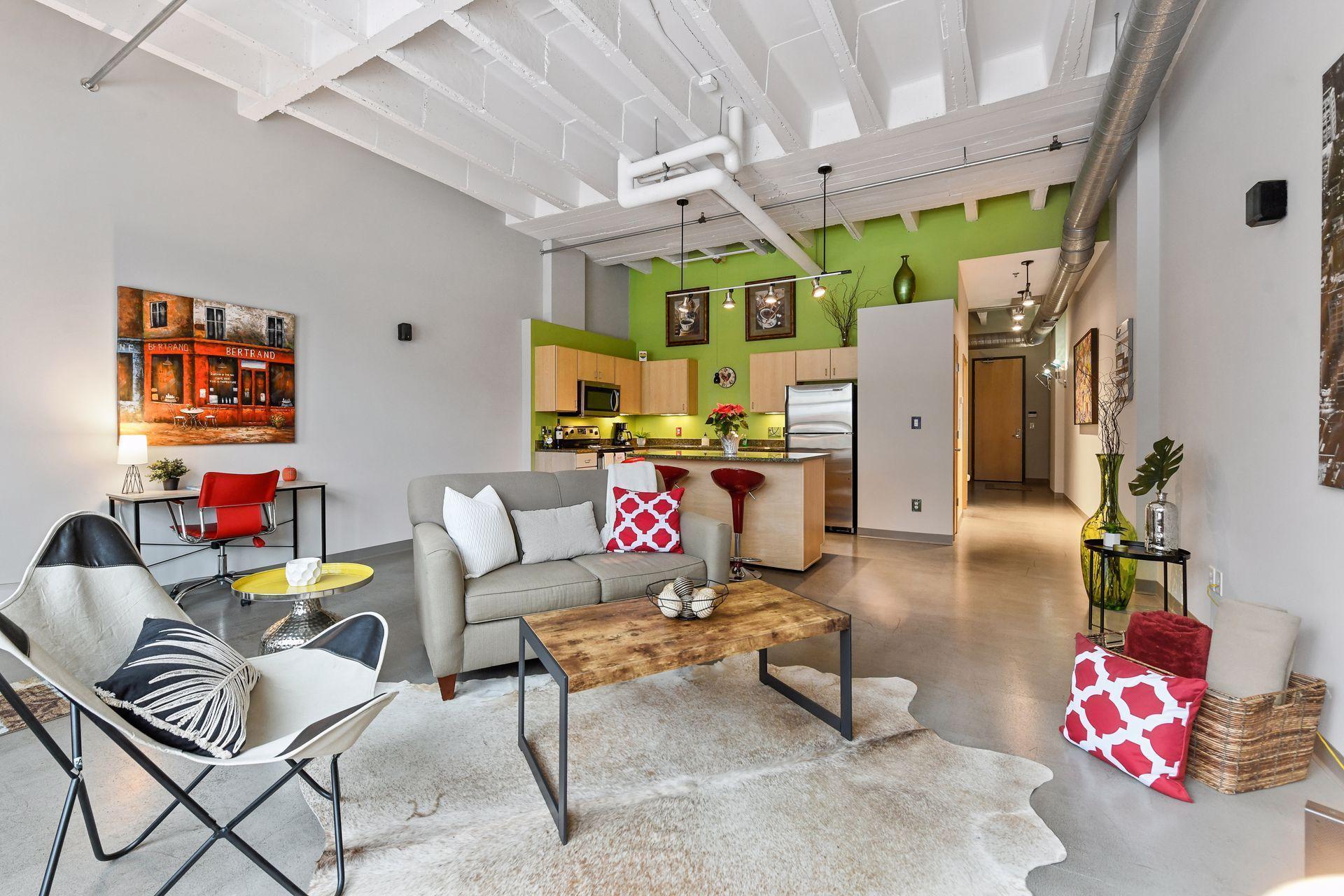 111 E Franklin Avenue Property Photo