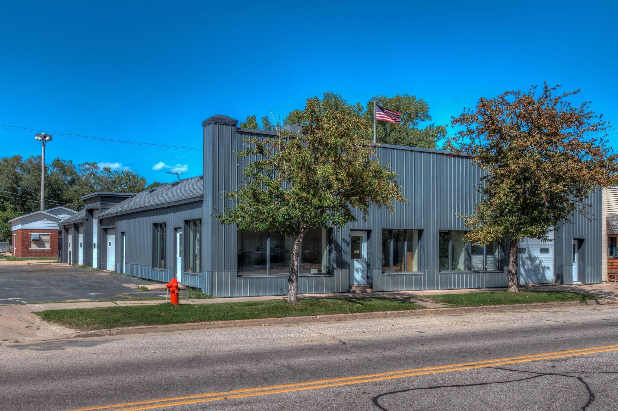 133 W Oak Street Property Photo