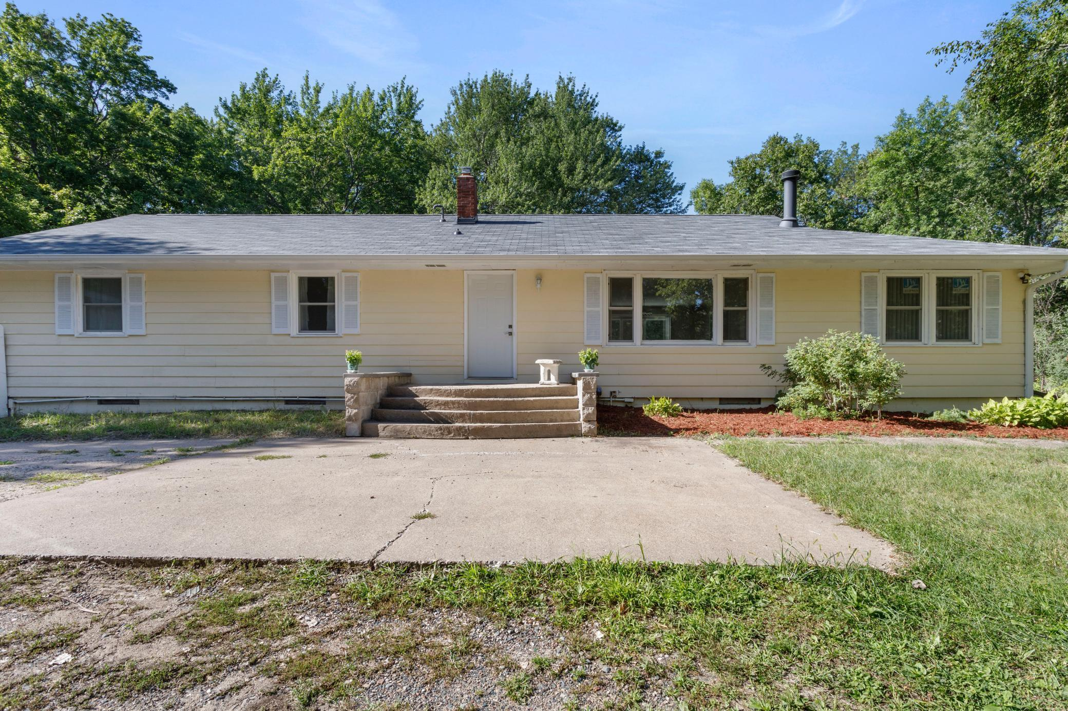 25696 Jason Avenue Property Photo
